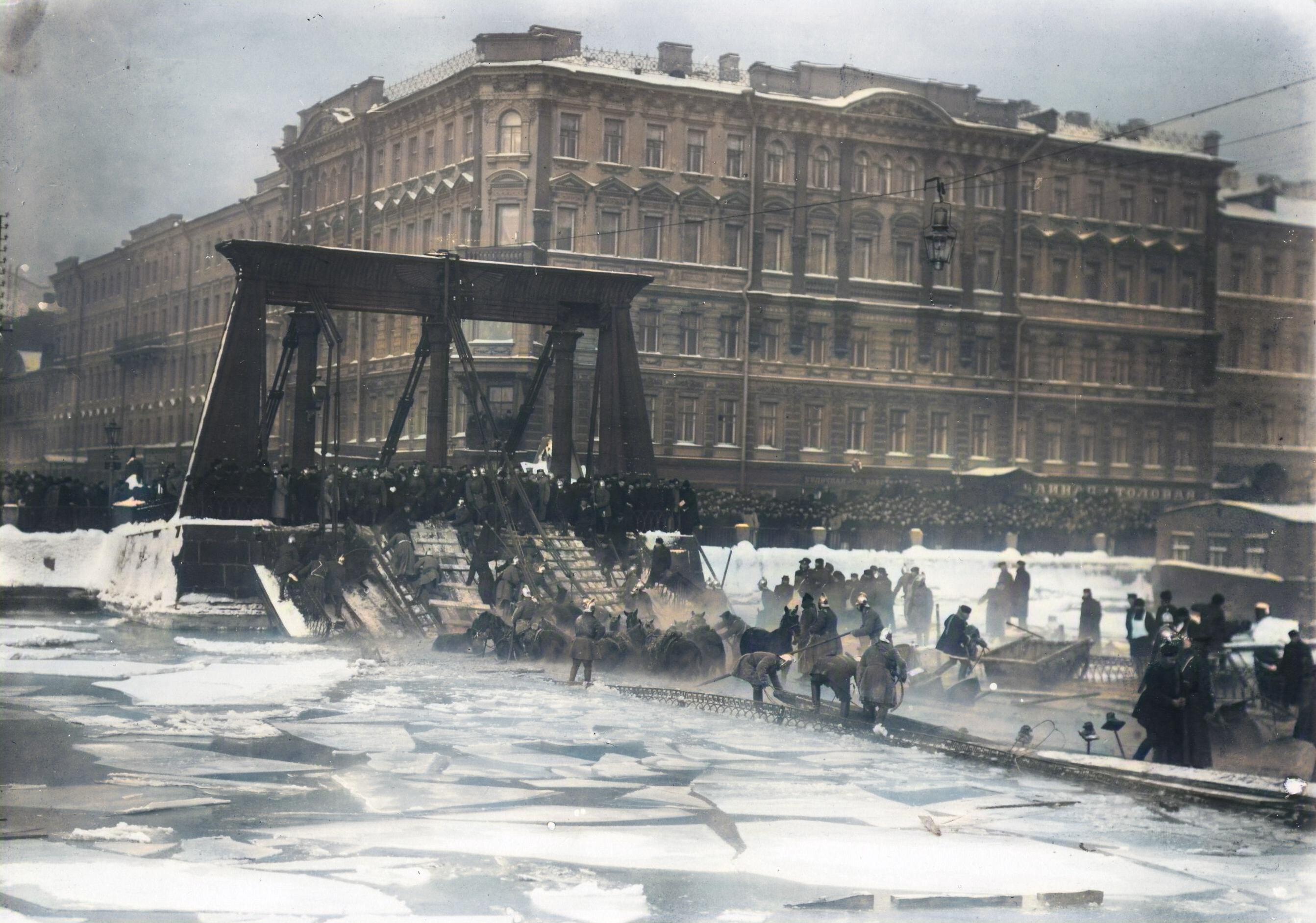 Egyptian bridge catastrophy.jpg