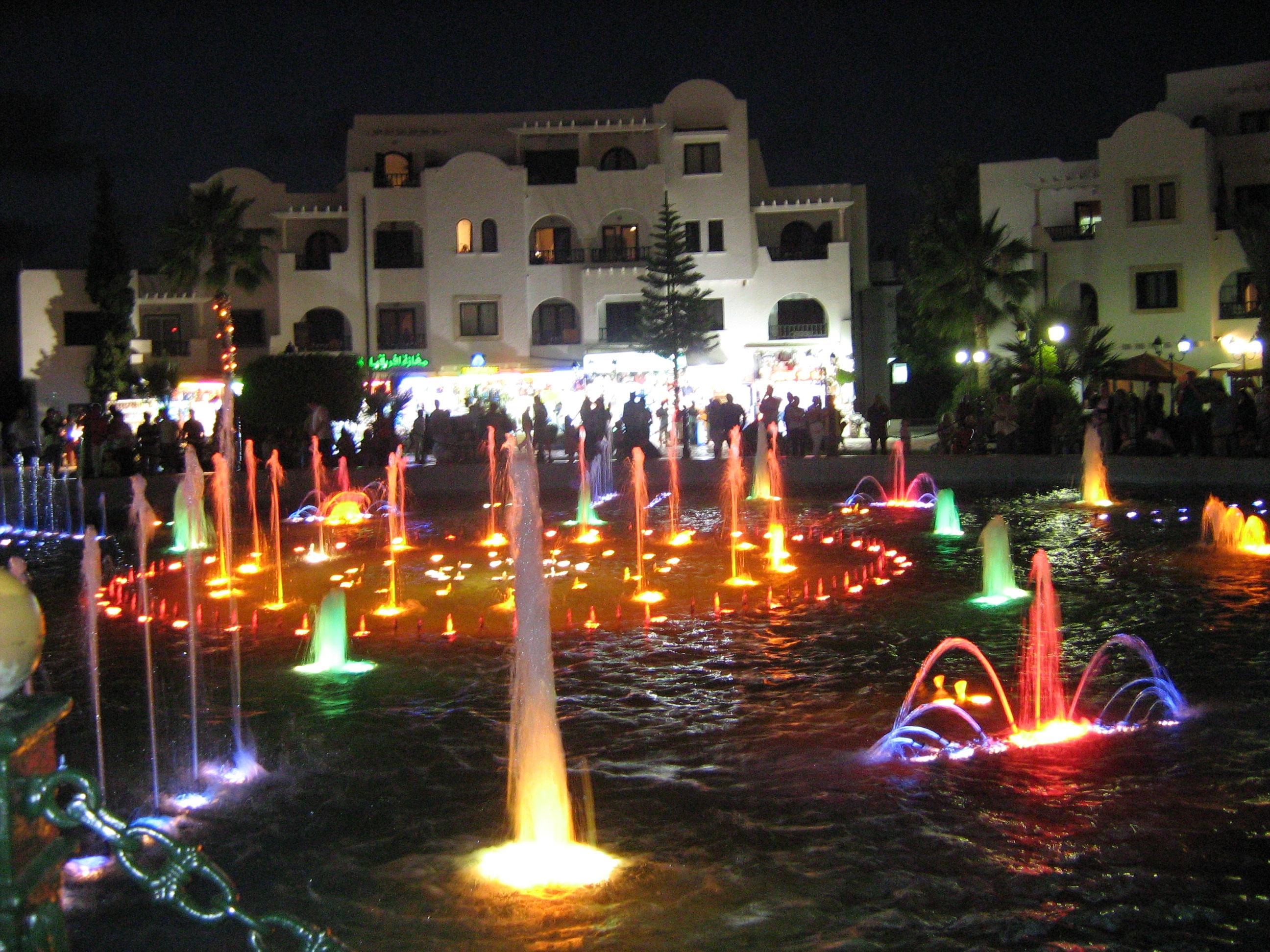 смотрел фото фонтан в порту тунис сусс традиции крестные