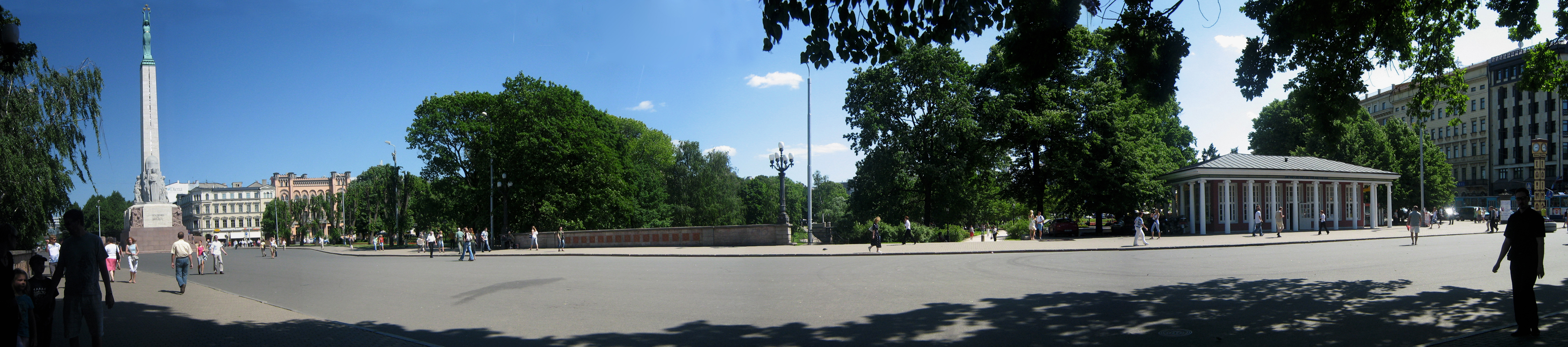 Freedom Monument Panorama.jpg