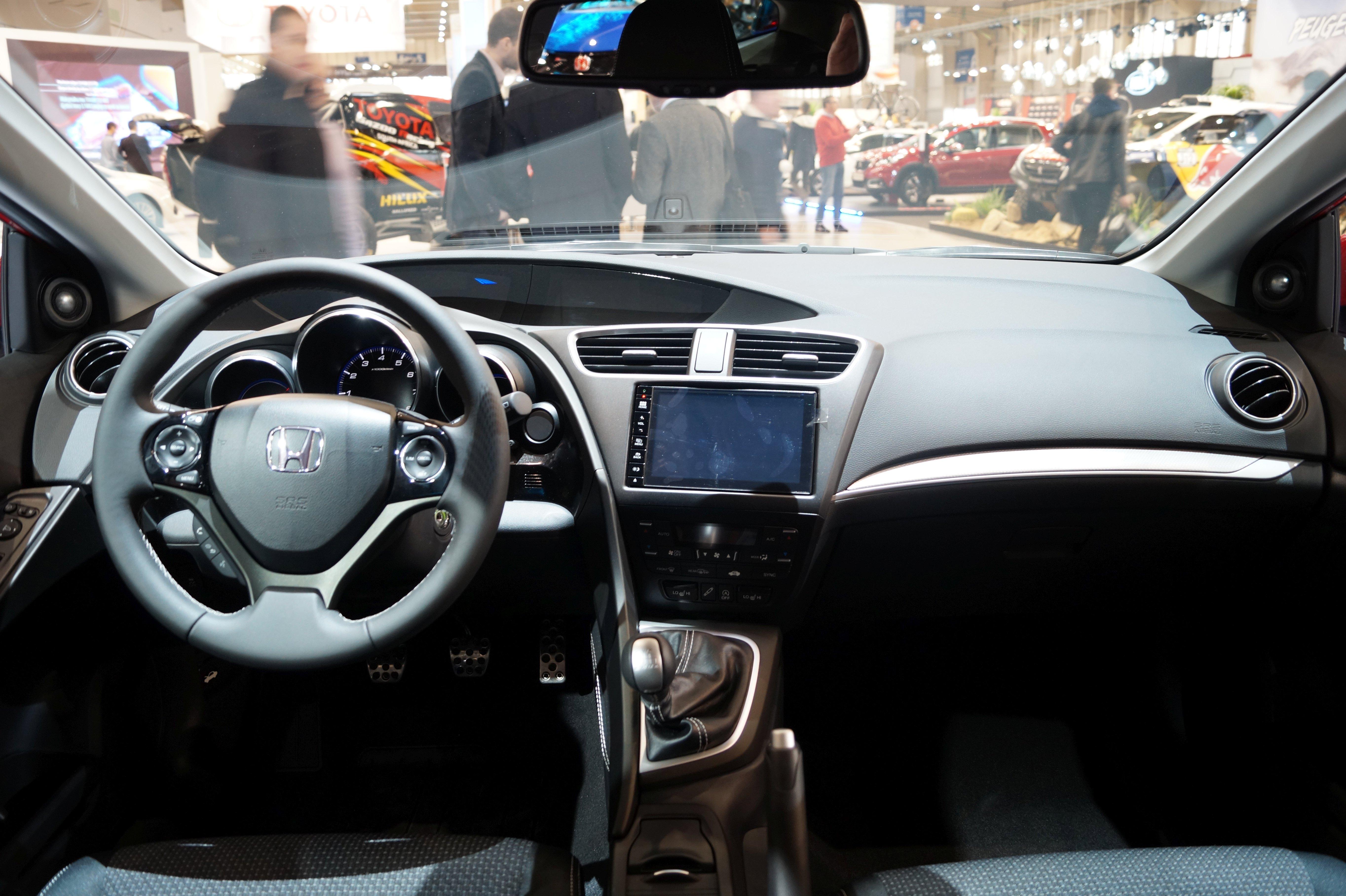 File:Honda Civic   Wnętrze (MSP16)