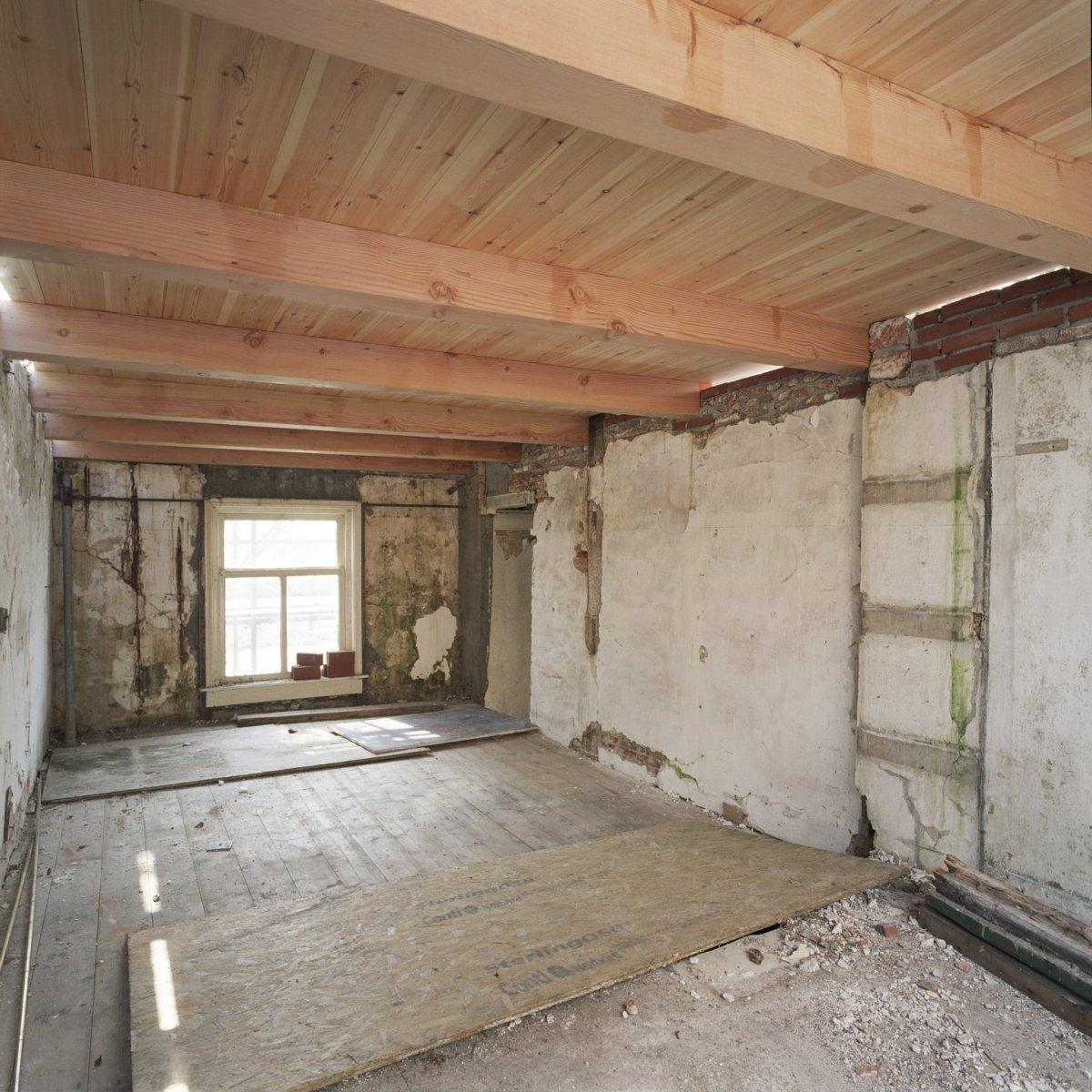 File interieur overzicht opkamer van boerderij met for Boerderij interieur