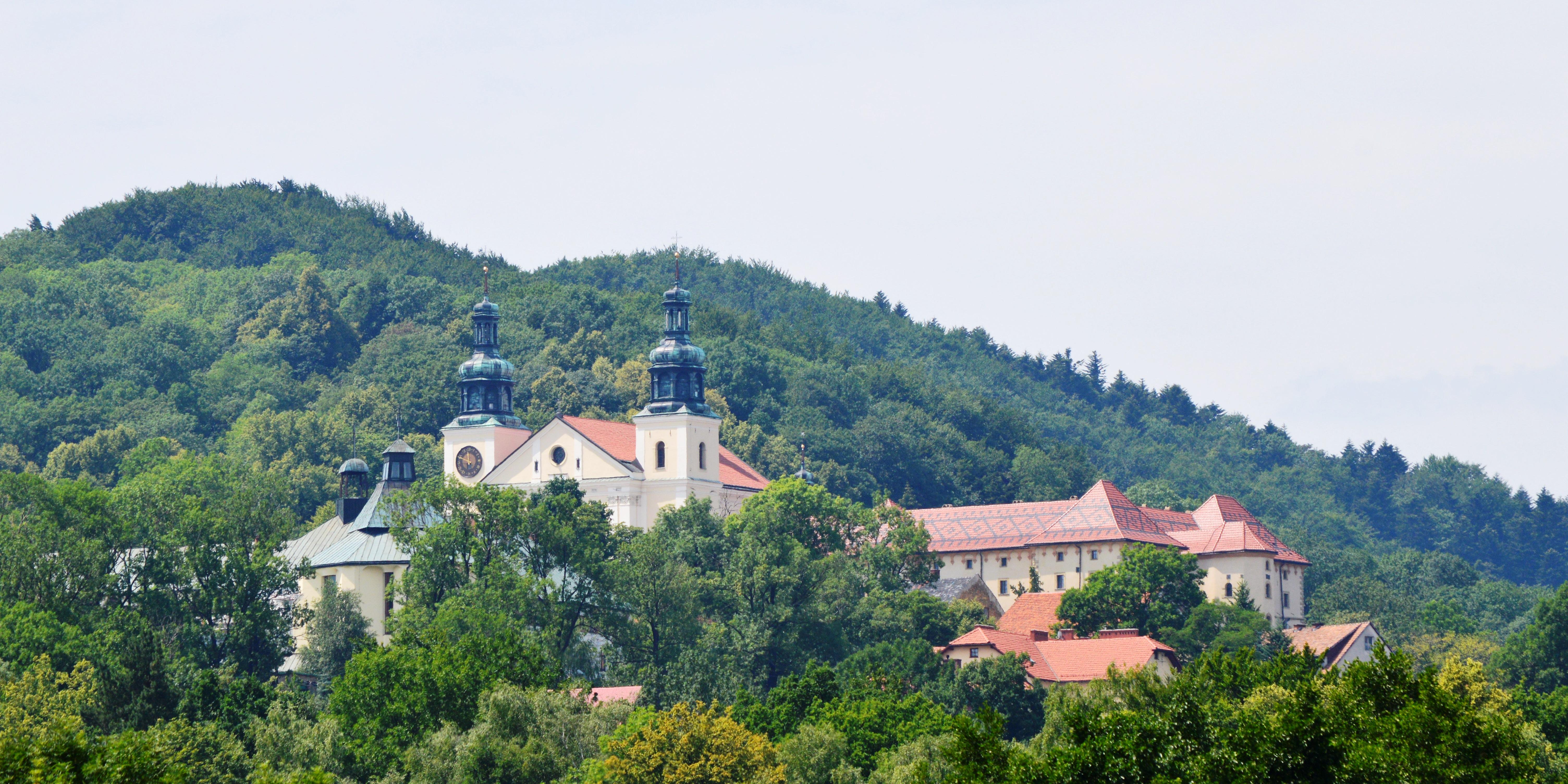 Kalwaria Zebrzydowska - Klasztor oo. Bernardynów - Sanktuarium Bazylika Matki Bożej Anielskiej