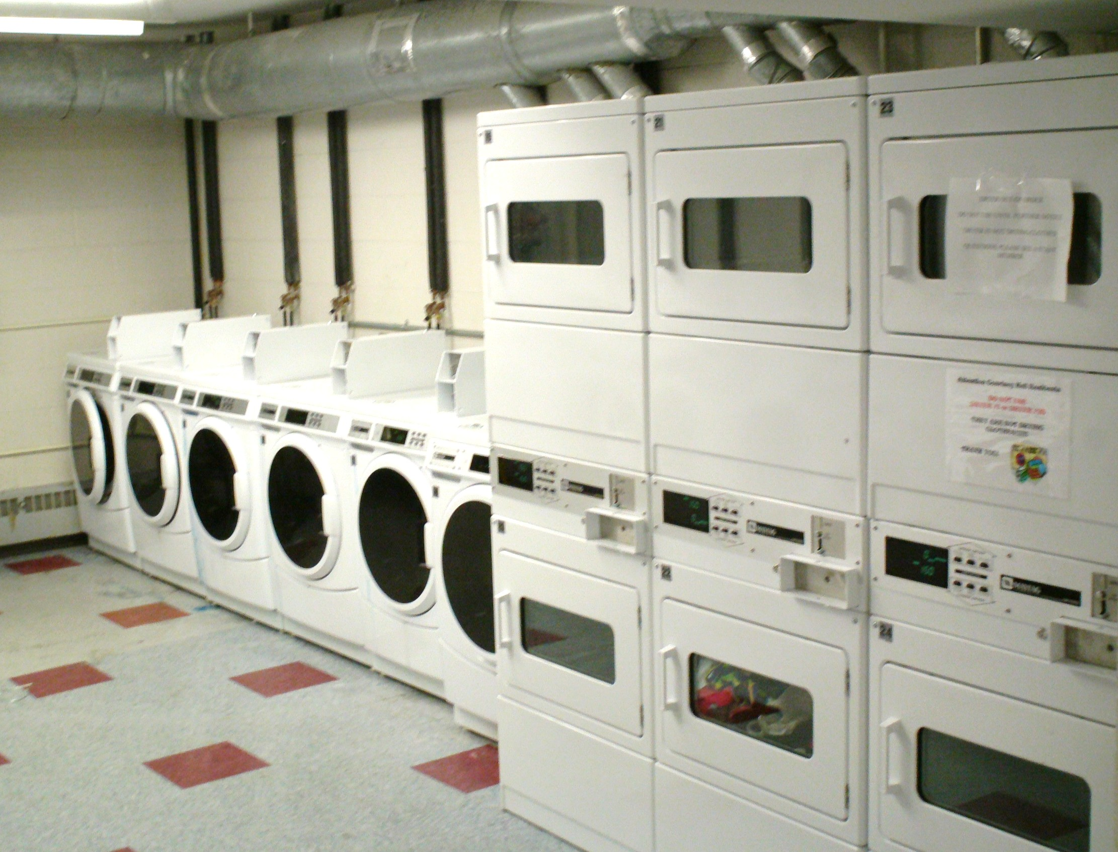 File:Laundryroom JPG - Wikimedia Commons