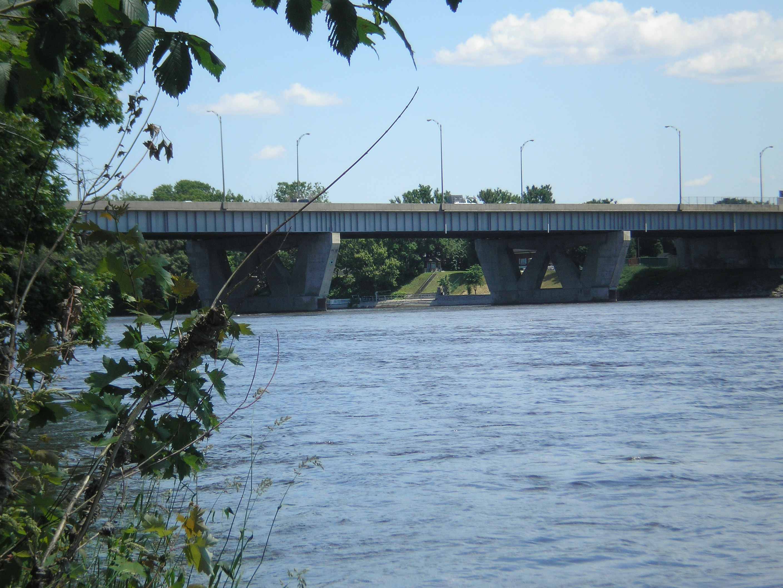 Mederic Martin Bridge.jpg