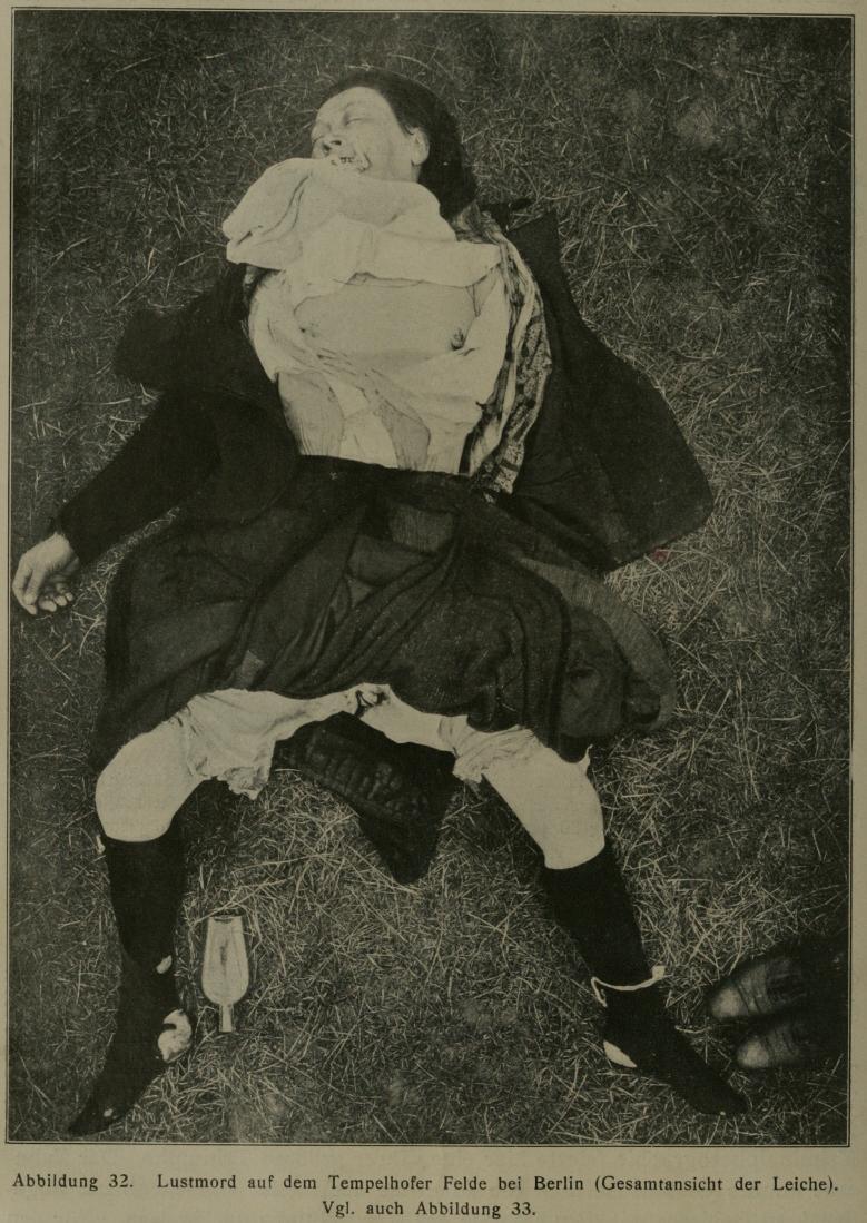 Descrizione Murder Scene pre-1910 02.jpg