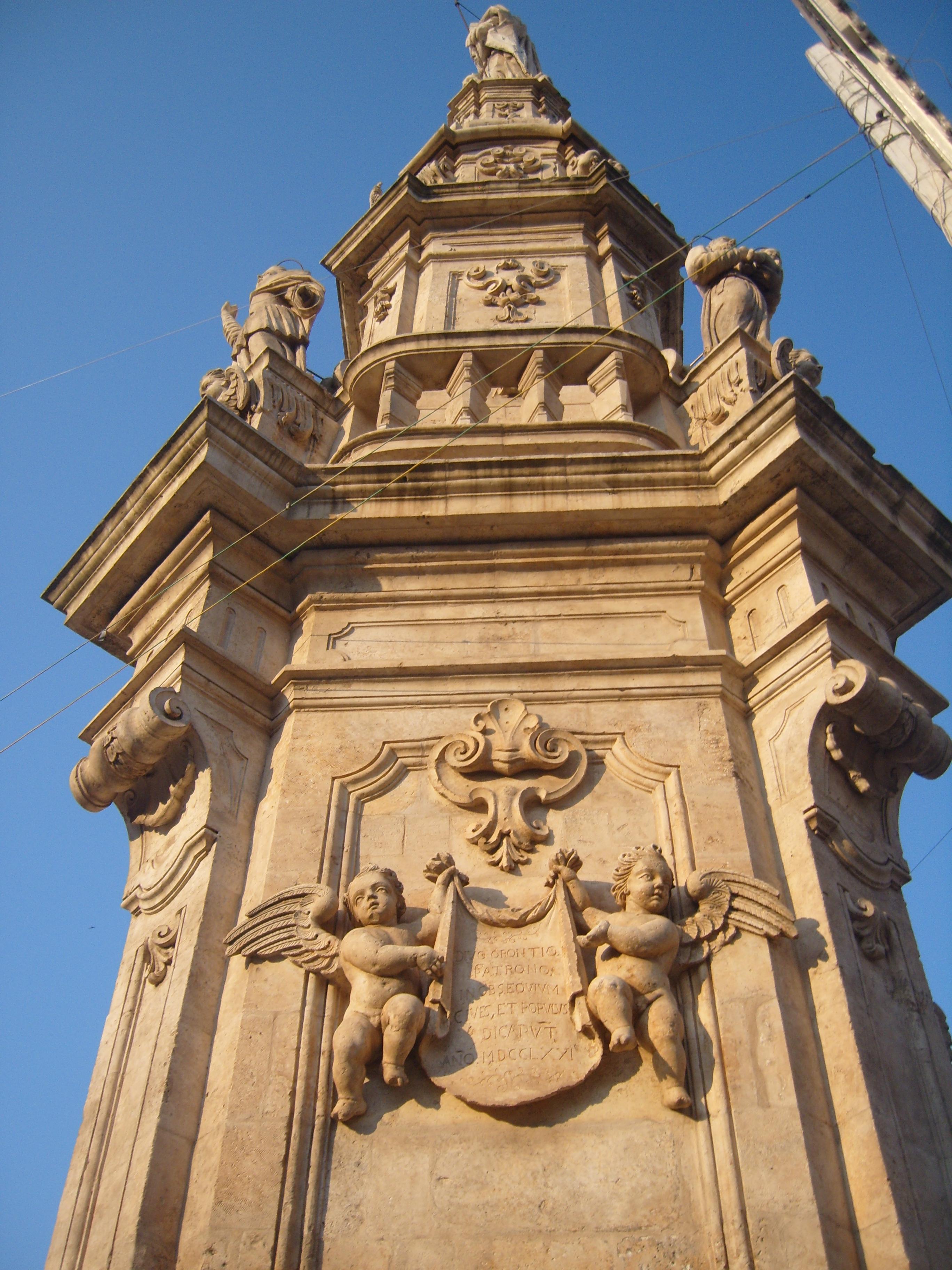 Particolare della Colonna di Sant Oronzo