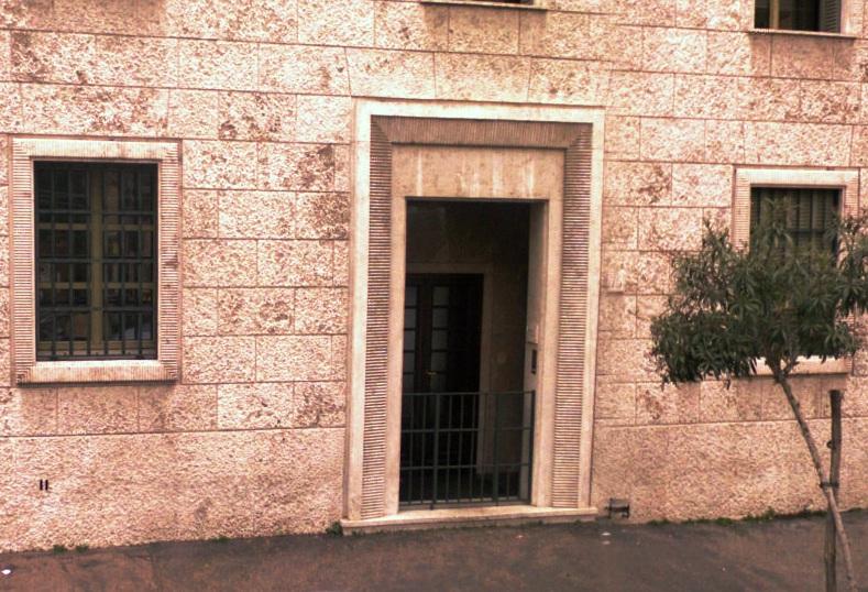 Opus Dei prelaattikirkon ovi