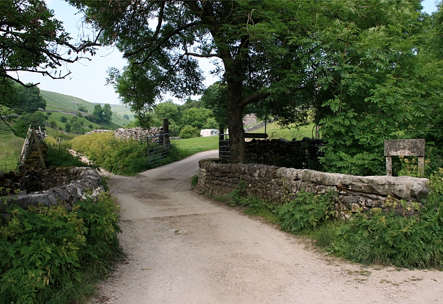 Parting of the ways - geograph.org.uk - 1387264