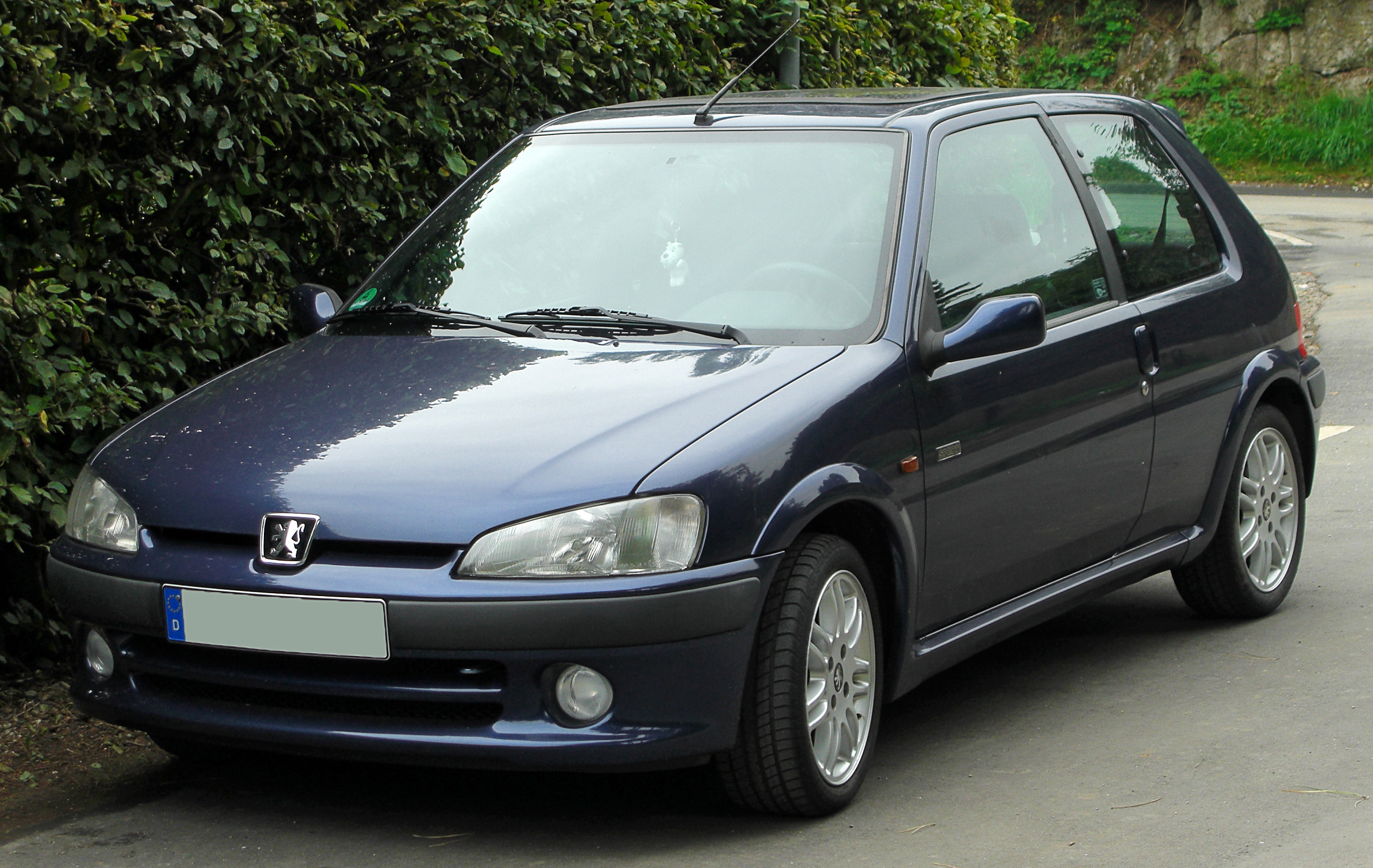 file peugeot 106 sport facelift front wikimedia commons. Black Bedroom Furniture Sets. Home Design Ideas
