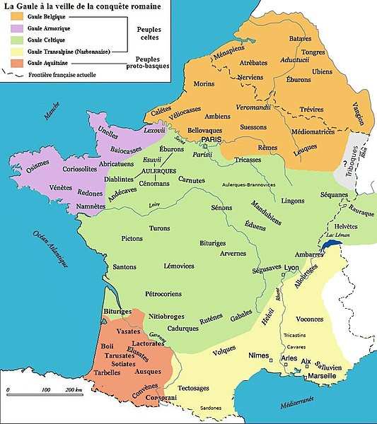 Map 8: Gaul (Gallia) on the eve of Roman conquest (Celtica, which included Armorica, Belgica and Aquitania Propria were conquered while Narbonensis was conquered earlier, already ruled by the Roman Republic). The map shows the ethnic and linguistic kinship of the tribes by different colours (the map is in French).