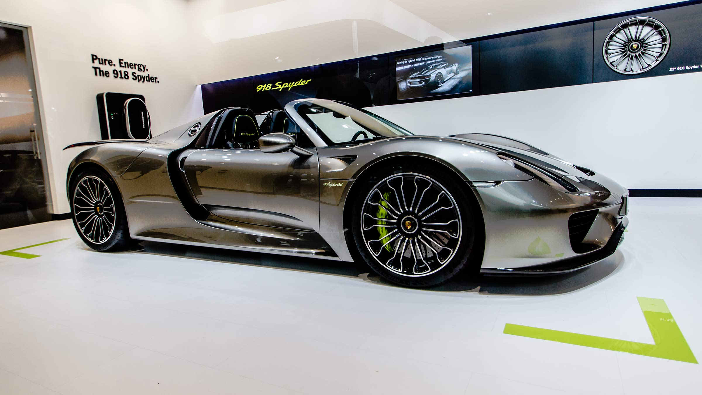 file porsche 918 spyder la auto show wikimedia. Black Bedroom Furniture Sets. Home Design Ideas