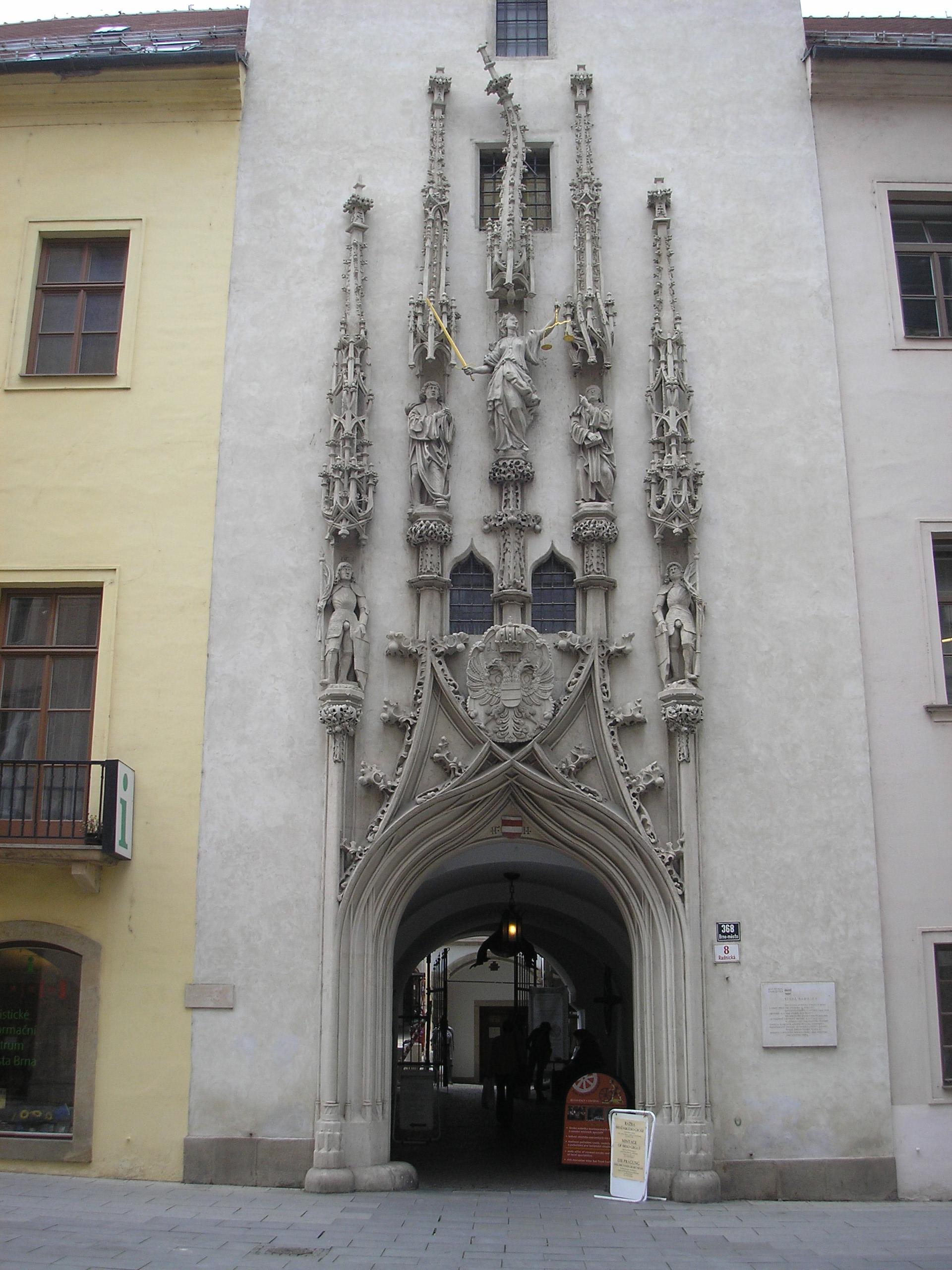 Portal Brünner Rathaus.JPG