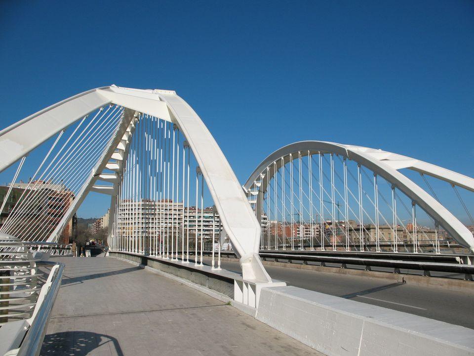 File puente bac de wikimedia commons for Gimnasio bac de roda