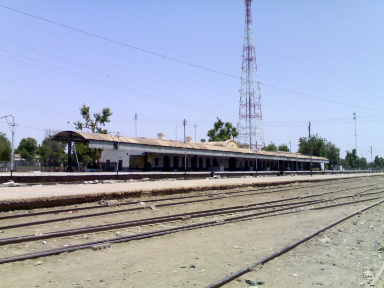 File:Railway Station Dadu - panoramio.jpg