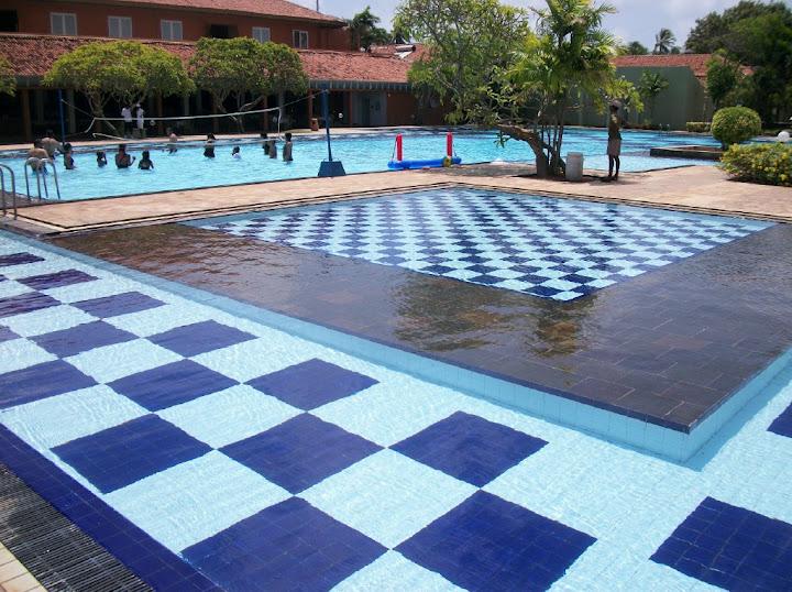 File Resort Swimming Pool Wikimedia Commons