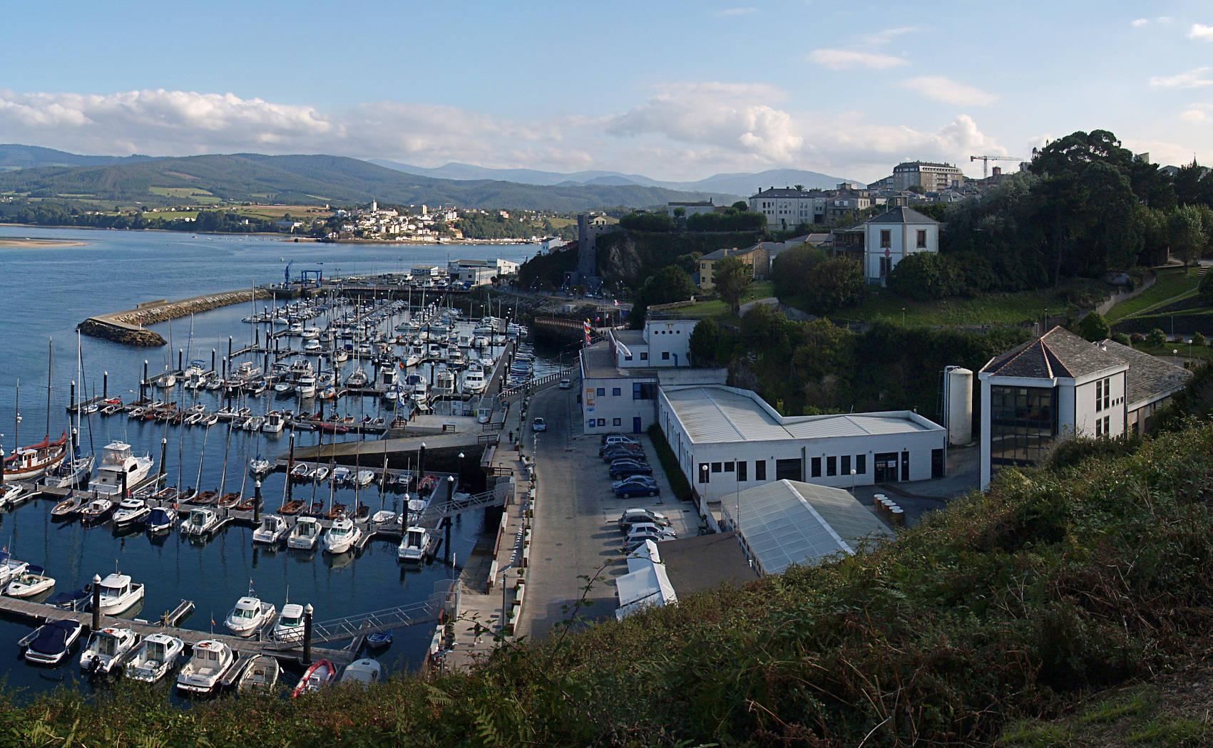 File:Ribadeo, Porto deportivo 100-3-cropped.jpg ...