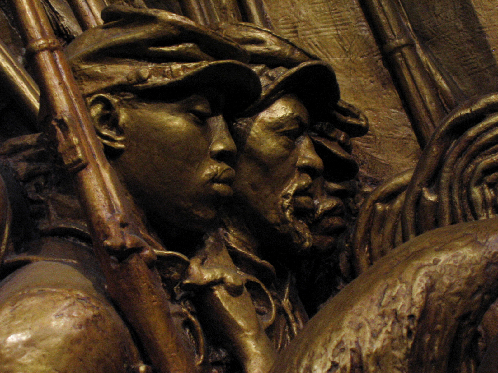 glory robert gould shaw and 54th Colonel robert gould shaw (1837-1863) was the young white civil war union army officer who commanded the otherwise all-black 54th massachusetts volunteer infantry.