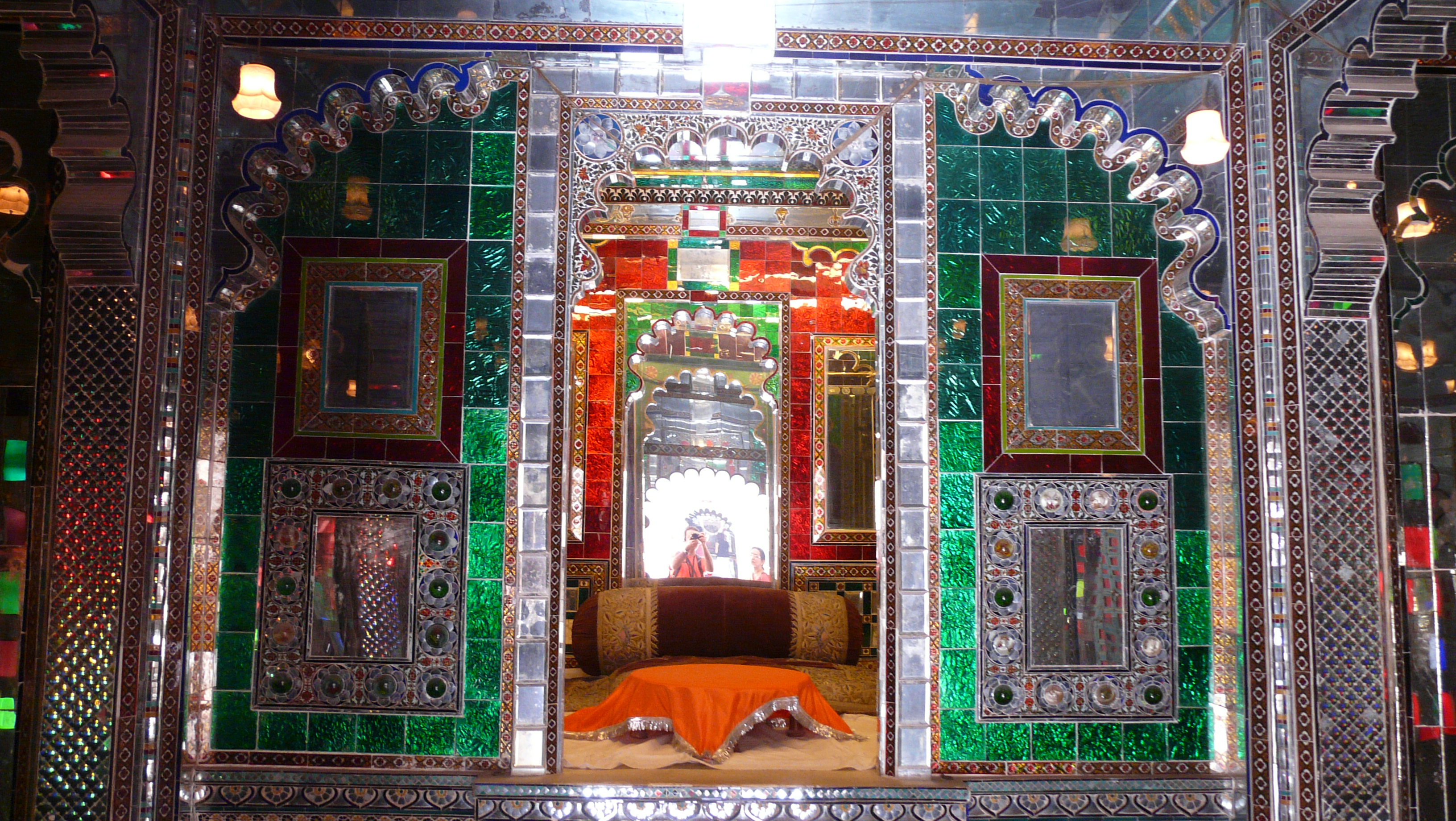 File Room Of Mirrors City Palace Udaipur Jpg Wikimedia