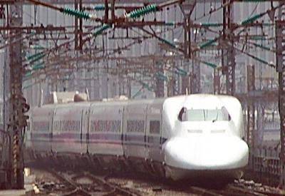 http://upload.wikimedia.org/wikipedia/commons/2/2b/Shinkansen6507.jpg