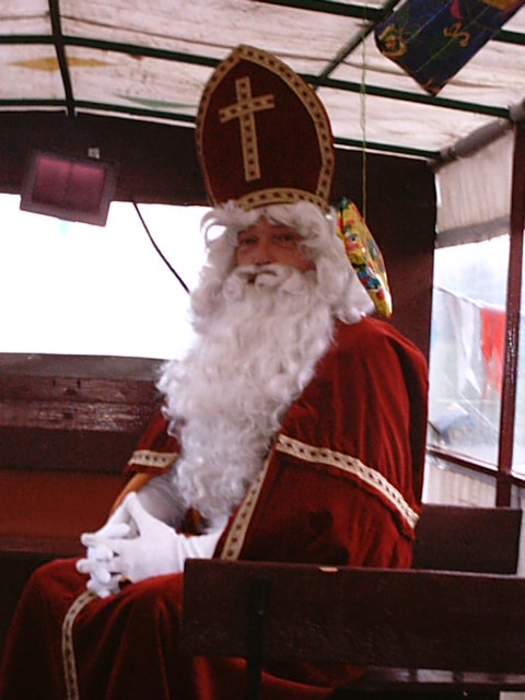 Sinterklaas-zittend.JPG