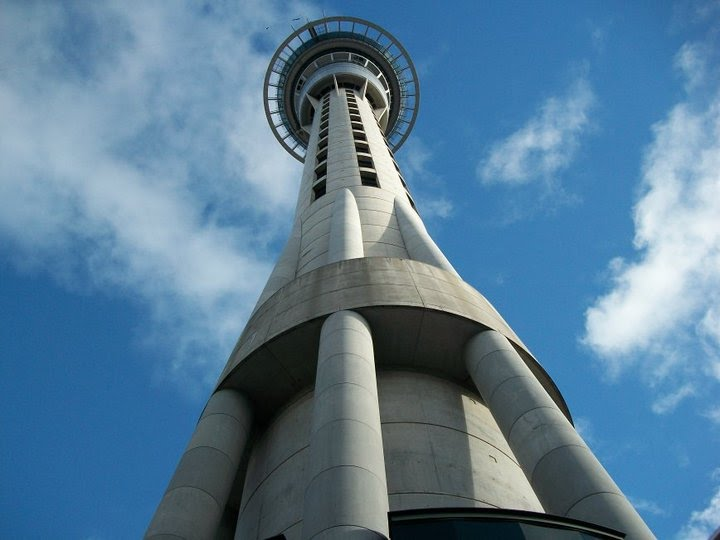 File:Sky Tower Skyscraper Auckland New Zealand.jpg ...