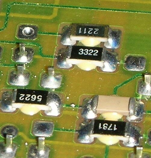 Ukázka desky osazené technologí SMT.