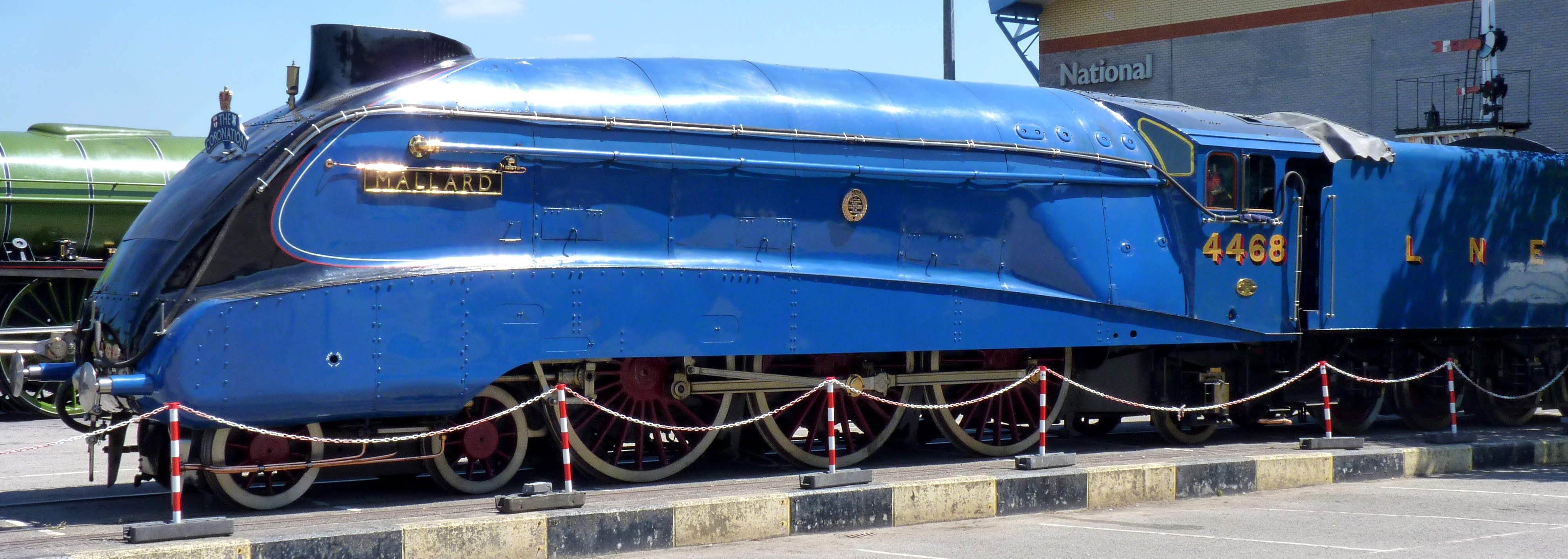 File The Lner A4 Mallard In The National Railway Museum