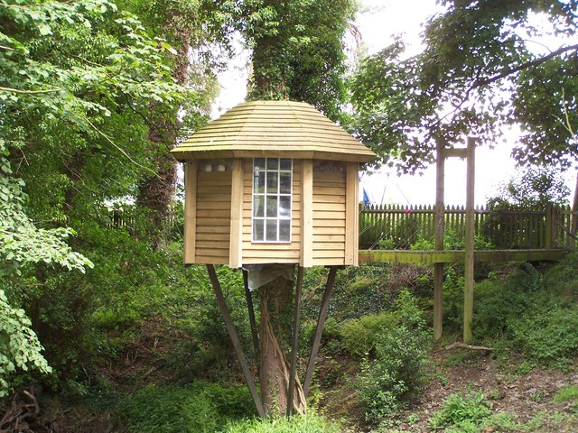 FileThe Ultimate Tree house With Suspension Bridge