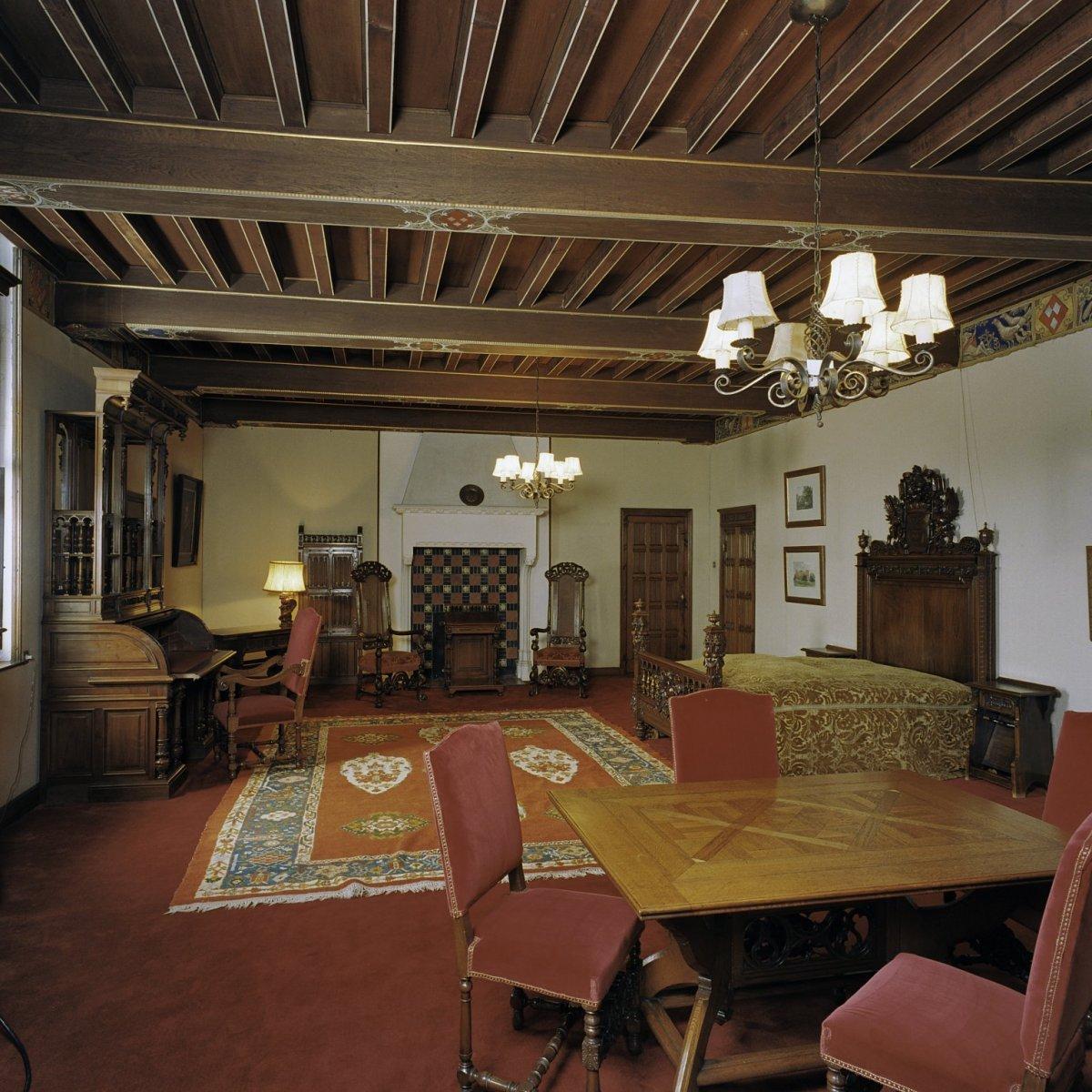 41 (slaapkamer 22) Interieur, gezien naar het noordoosten. met zithoek ...