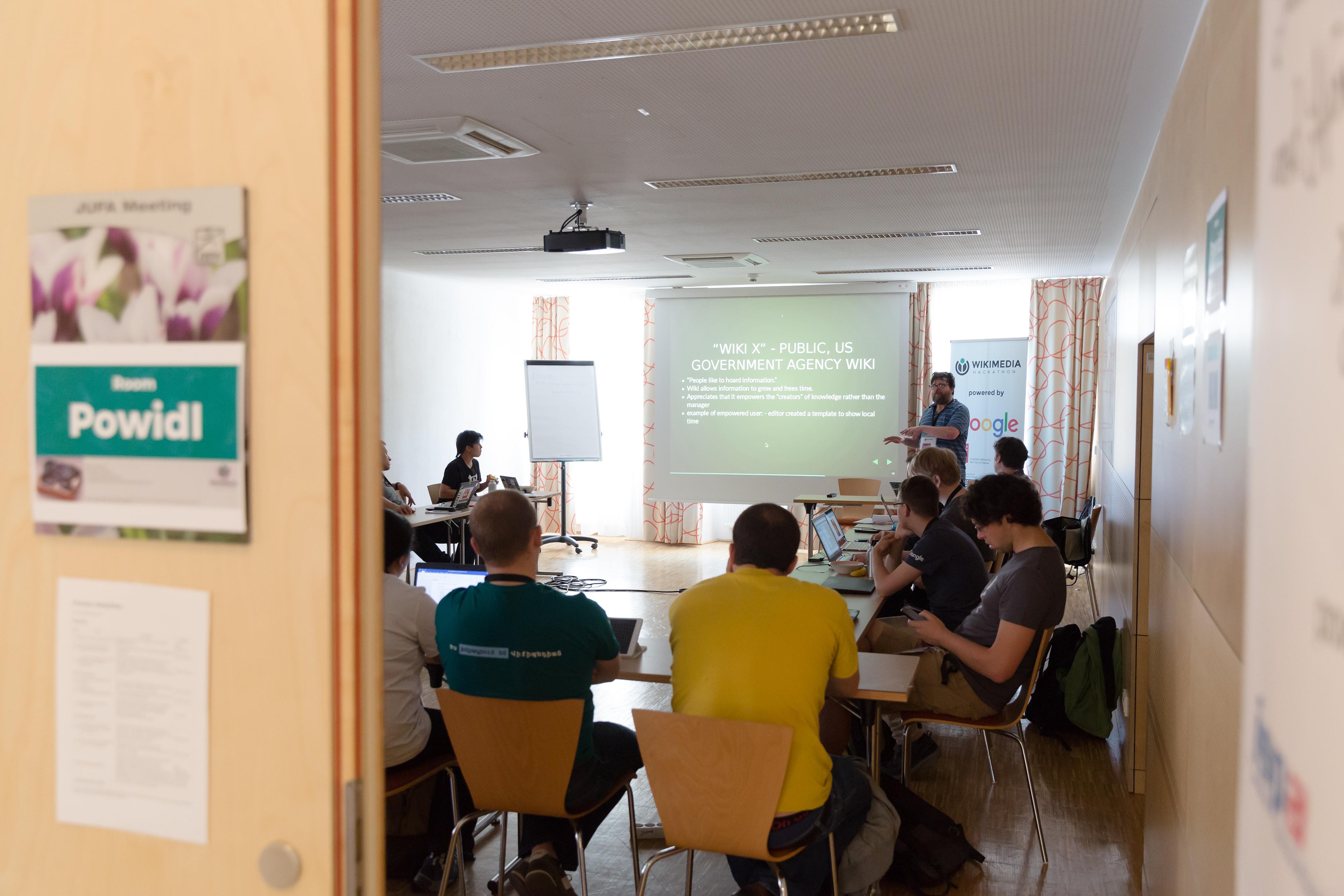 File:Wikimedia Hackathon Vienna 2017-05-19 Fantastic