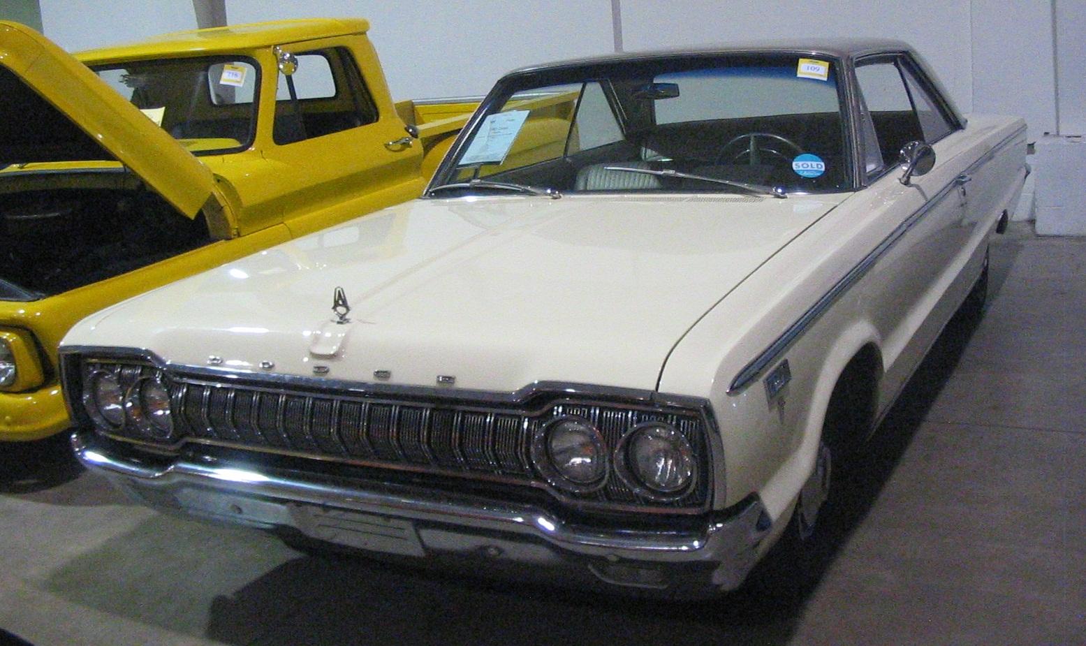File:\'65 Dodge Polara (Toronto Spring \'12 Classic Car Auction).JPG ...