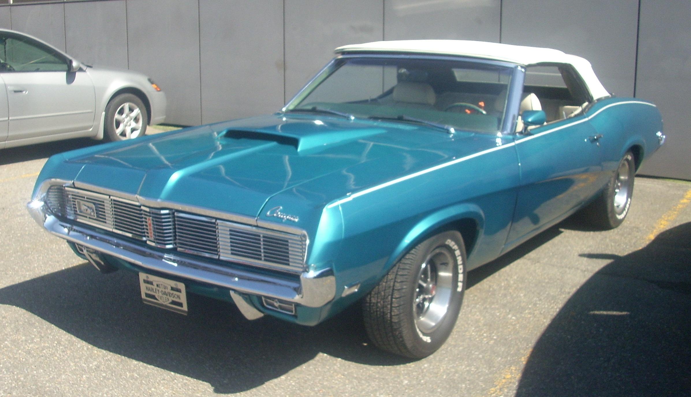 Blue Classic Car Santa