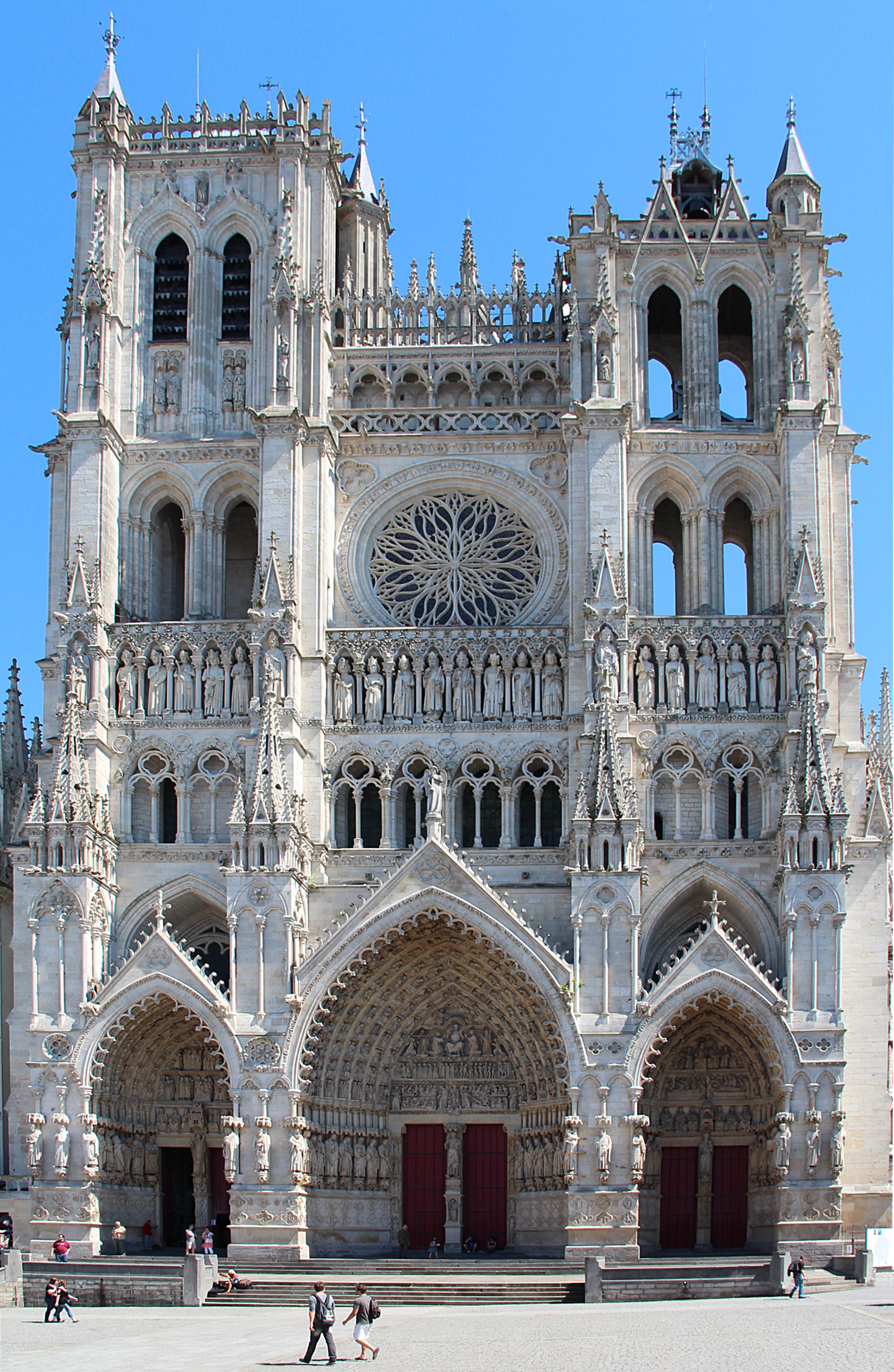 Amiens cathedral wikiwand for Architecte interieur geneve