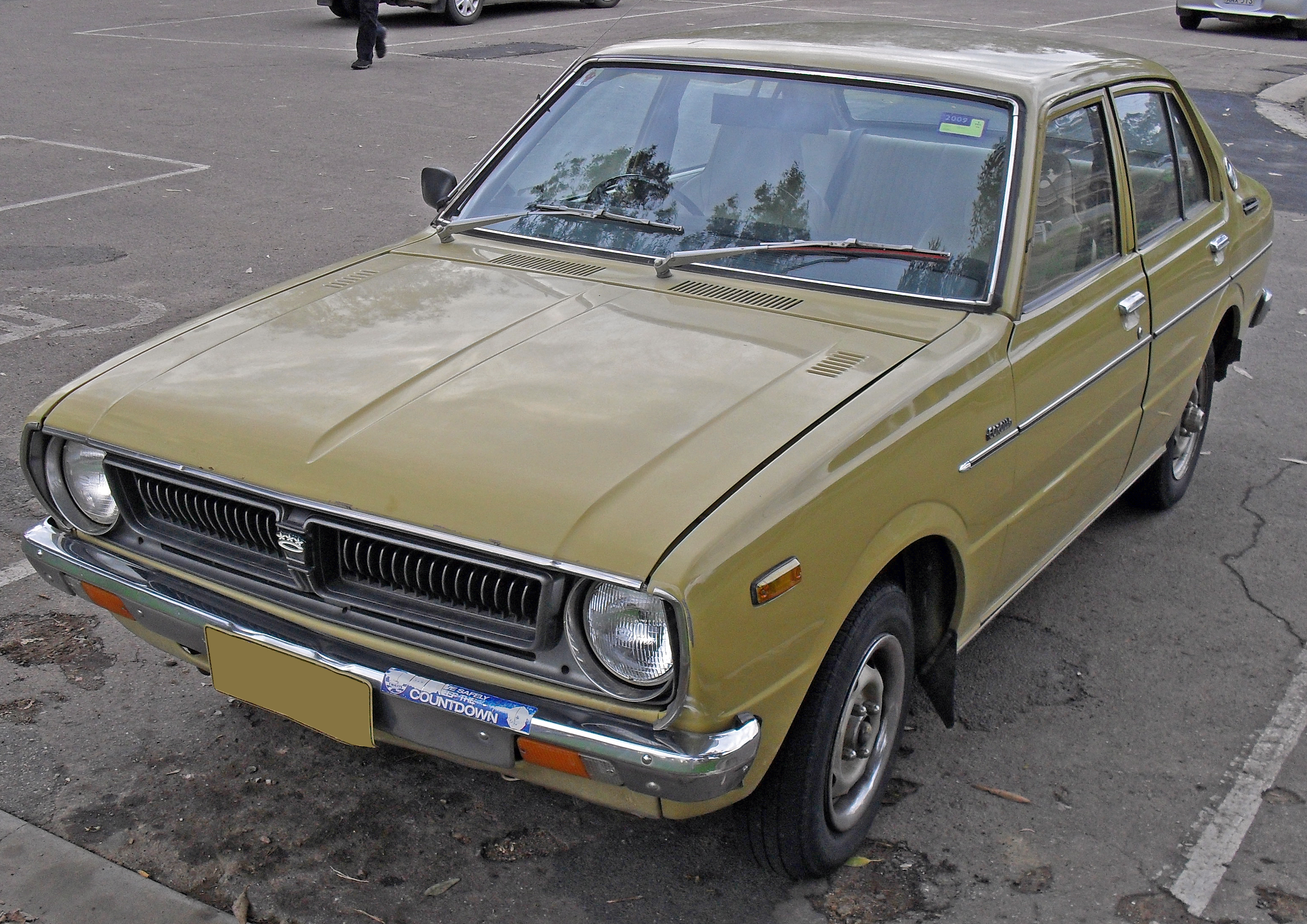 File 1976 Toyota Corolla Ke30r Cs Sedan 01 Jpg