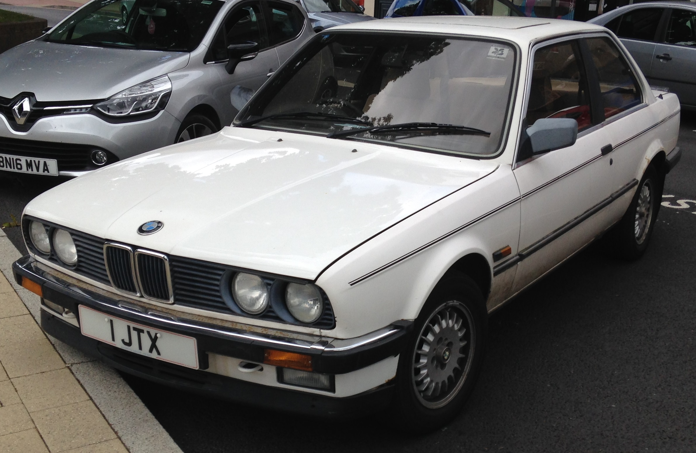 File 1986 Bmw 325i Automatic 2 5 Front Jpg Wikimedia Commons