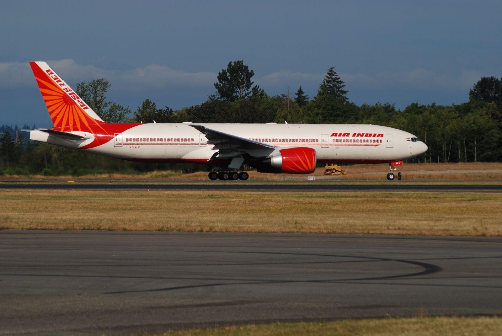 Boeing%20777-200LR