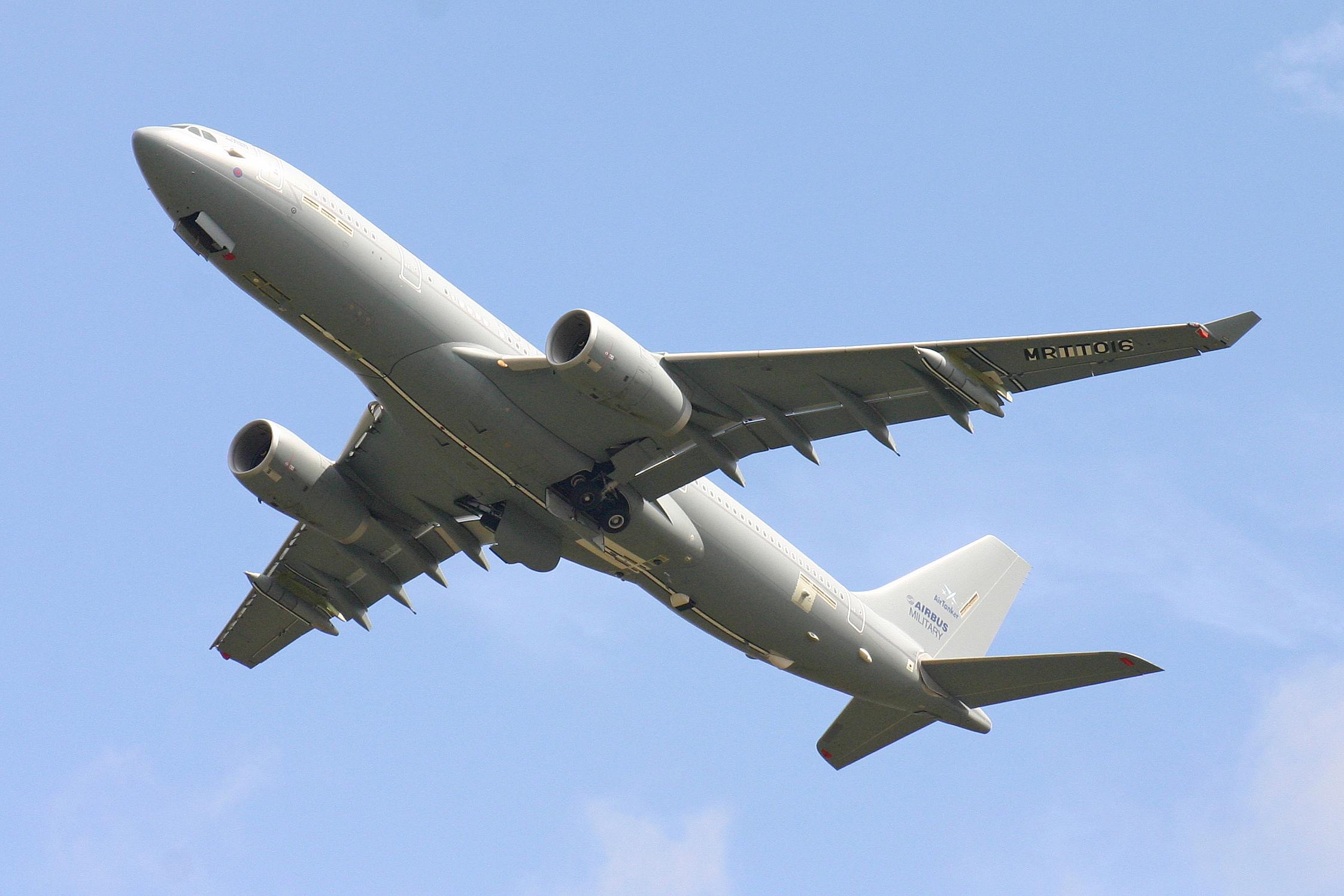 Cortitas y al pie... - Página 31 Airbus_Voyager_KC2_EC-335_MRTT016_%286803596745%29
