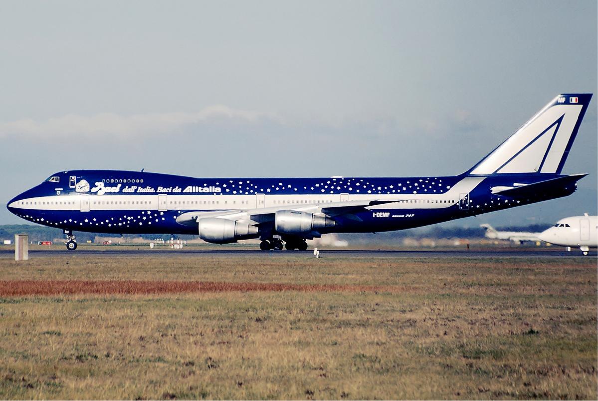 File:Alitalia Boeing 747-200 Baci Bidini.jpg - Wikipedia