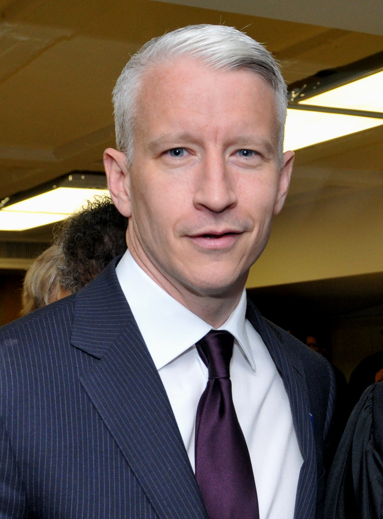 Il 55-anni, 178 cm alto Anderson Cooper in 2018 photo