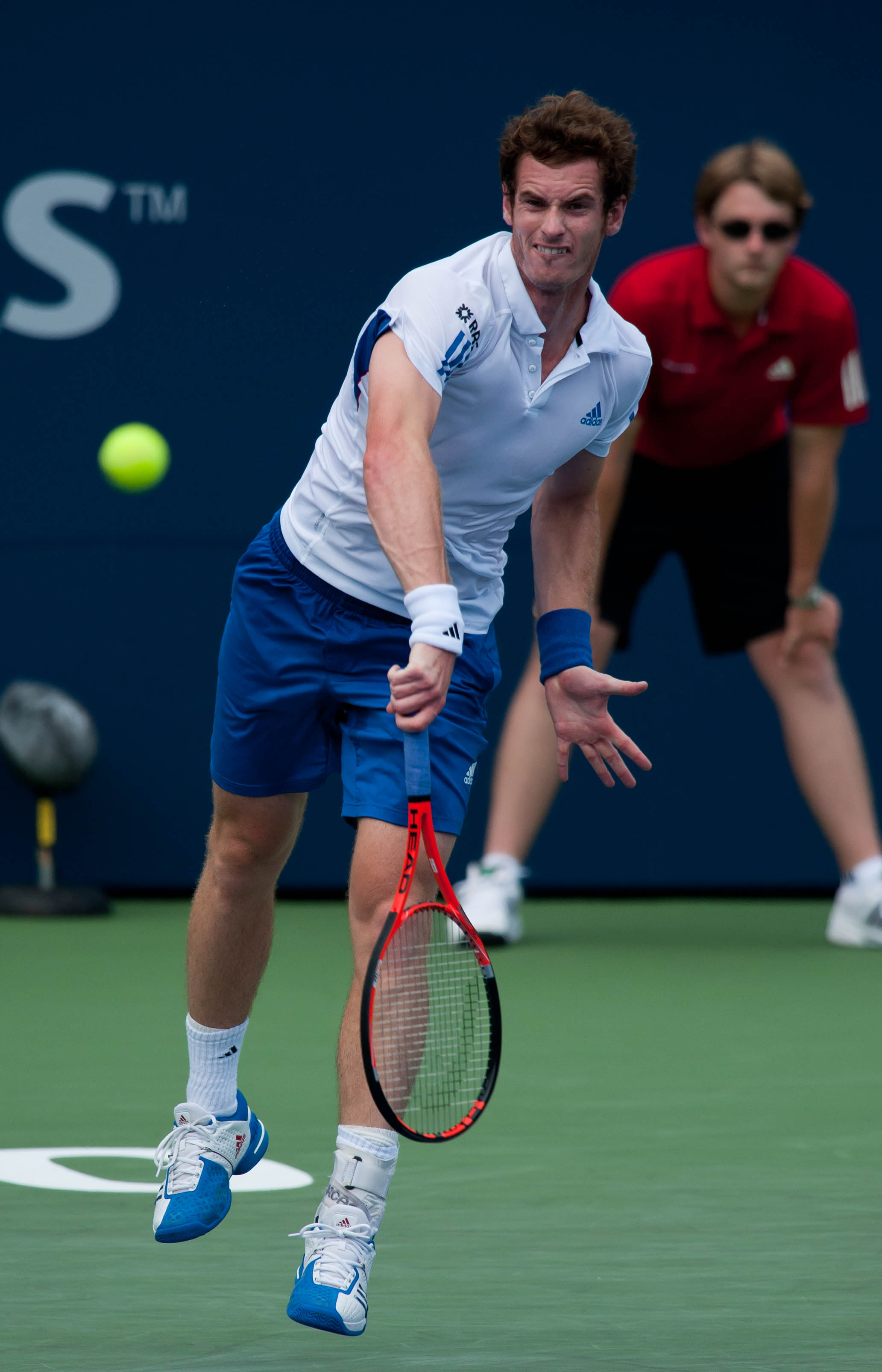Andy_Murray_Serve_2010.jpg