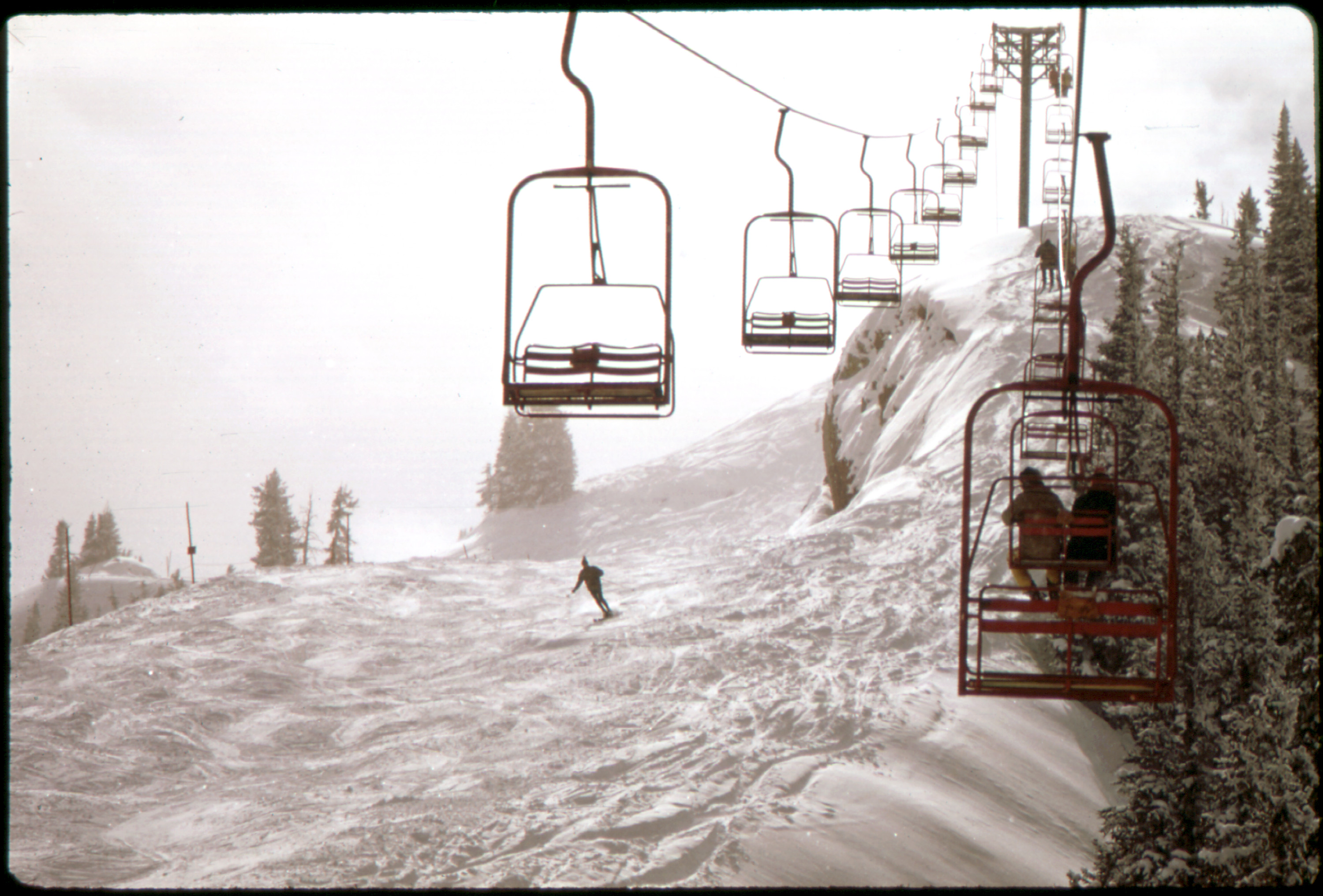 File:Aspen Chairlifts 554248