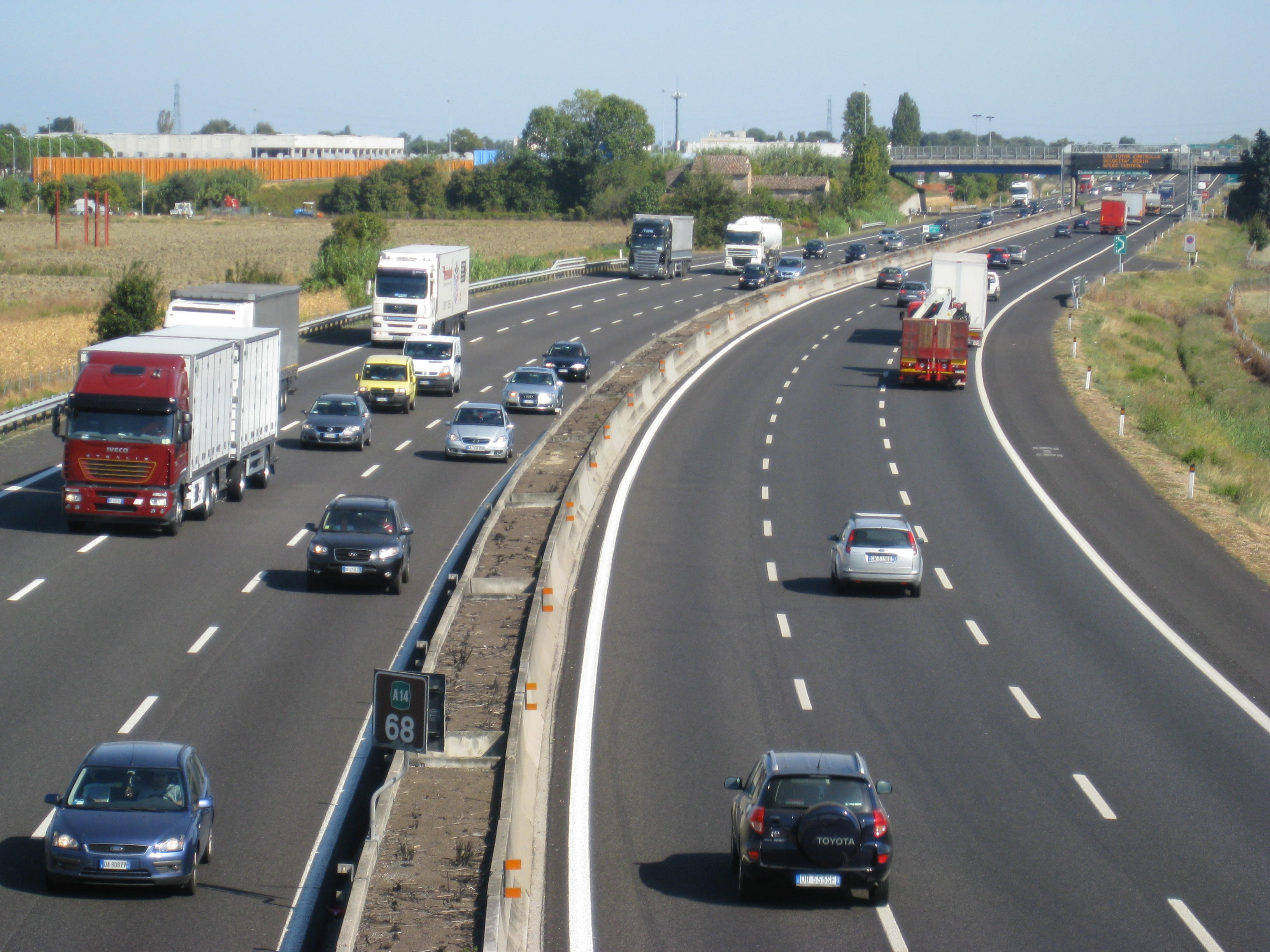 incidente sulla A1 carambola fra auto
