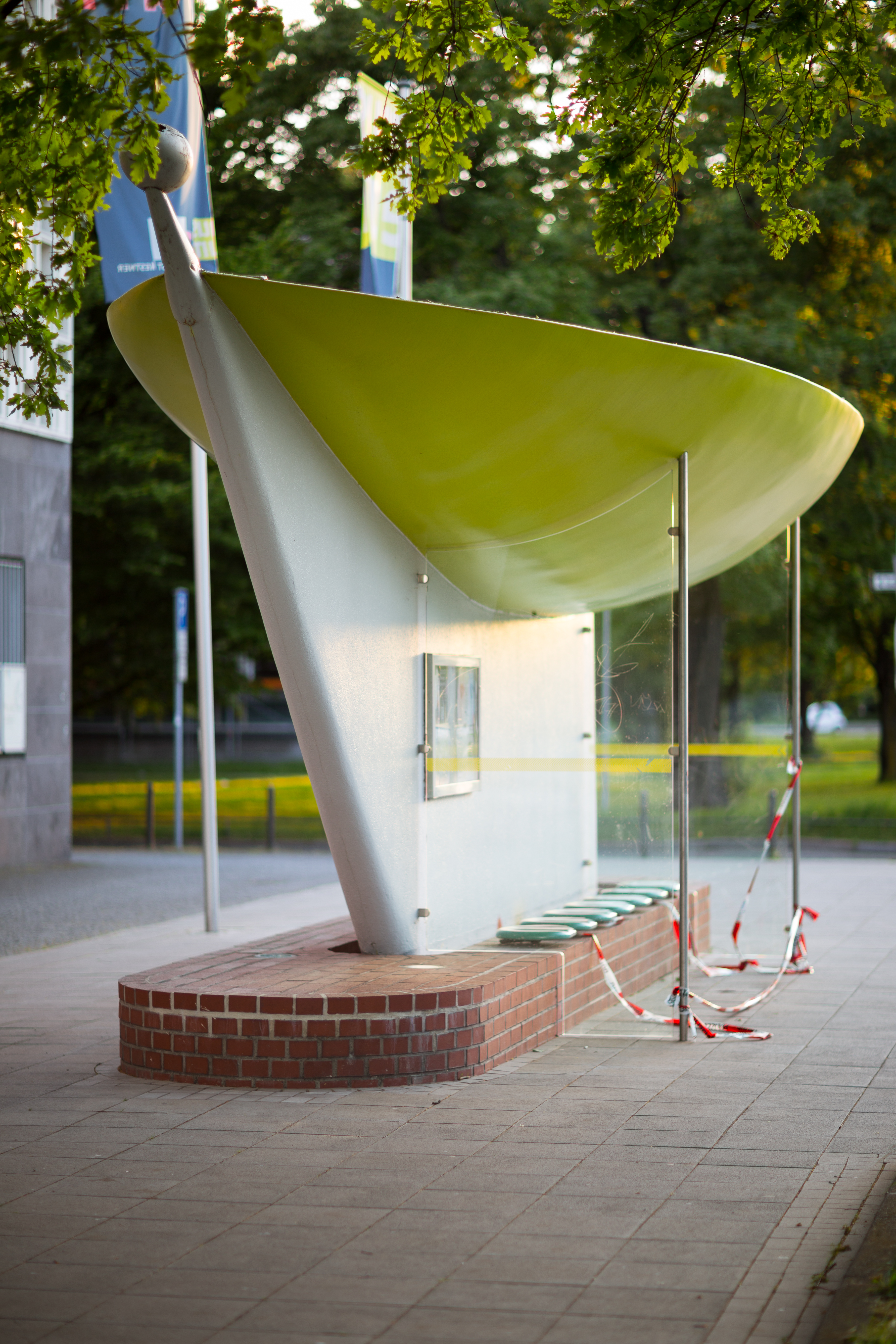 Usm Hannover file busstop massimo iosa ghini friedrichswall mitte hannover