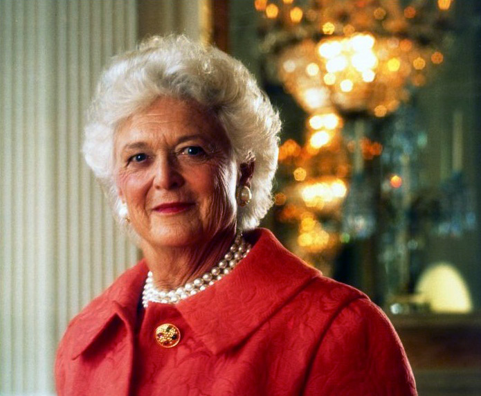 Barbara Bush portrait 1992.jpg