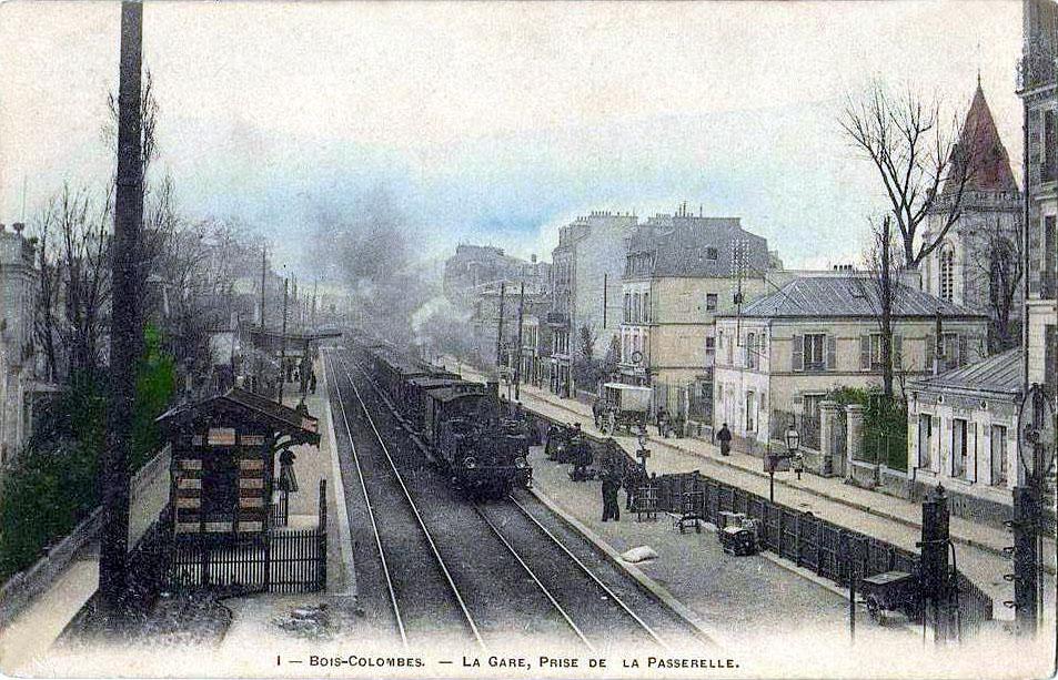 FileBoisColombes  La gare, prise de la passerellejpg  ~ Laforet Bois Colombes
