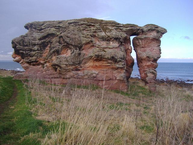 Buddo Rock - geograph.org.uk - 1192781