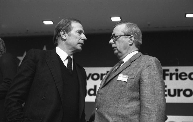 Breit (right) in 1983