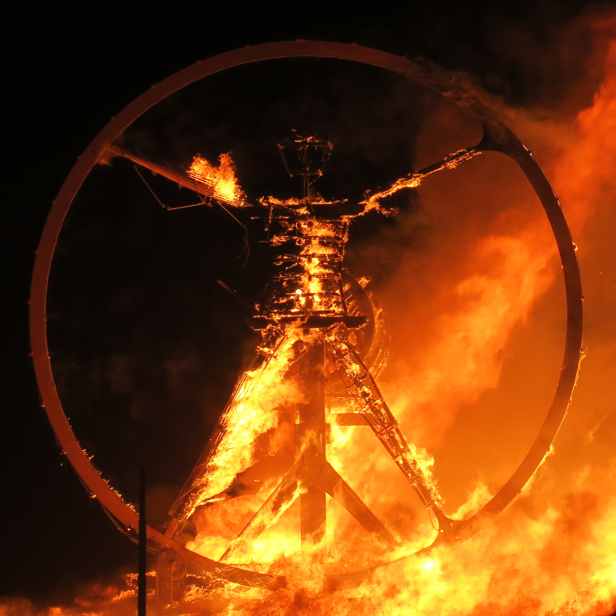 File:Burning Man 2016 Fire Nights 274 (30257305881).jpg - Wikimedia Commons