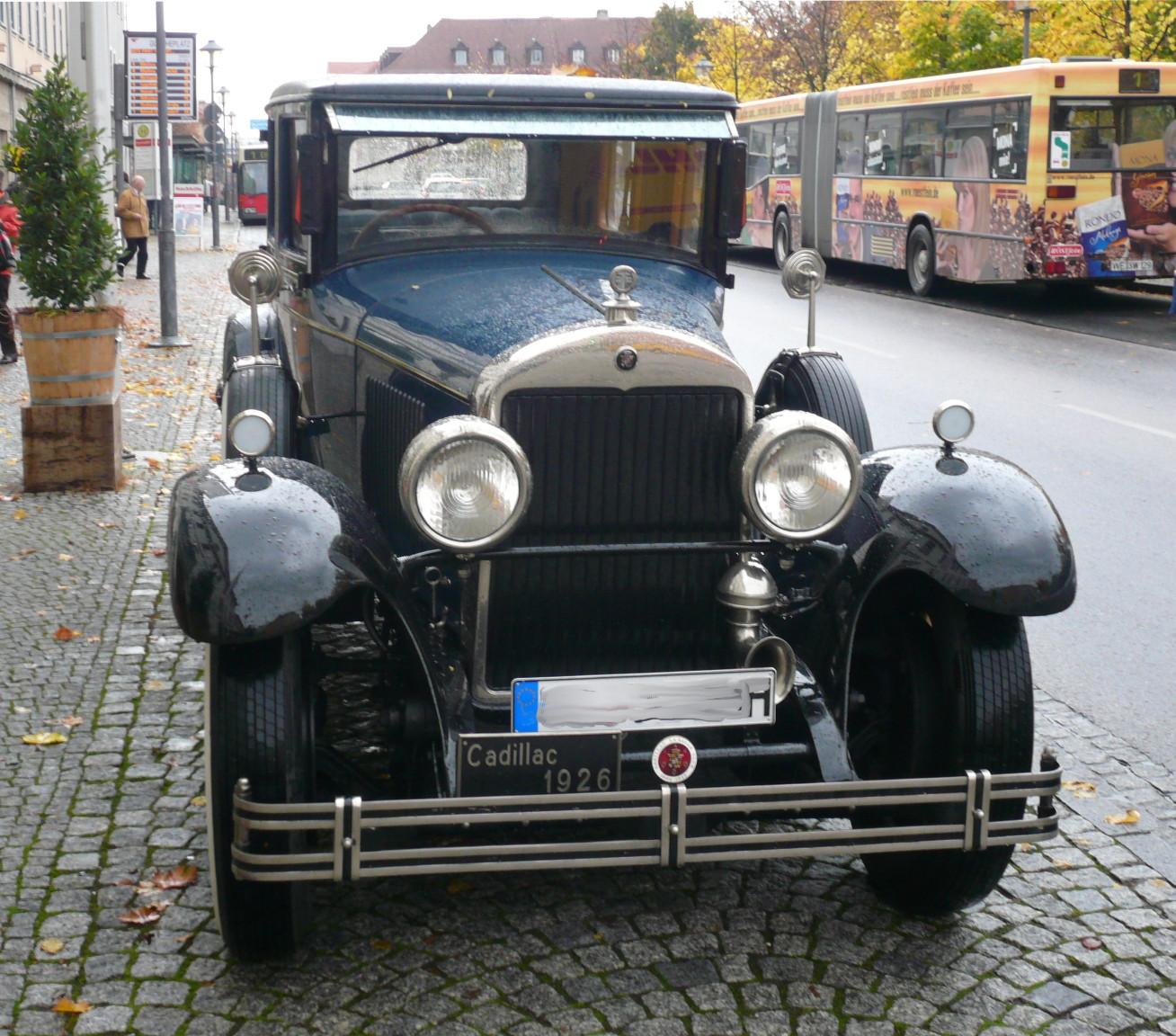 File:Cadillac.Mod314.sedan.front.wmt.jpg