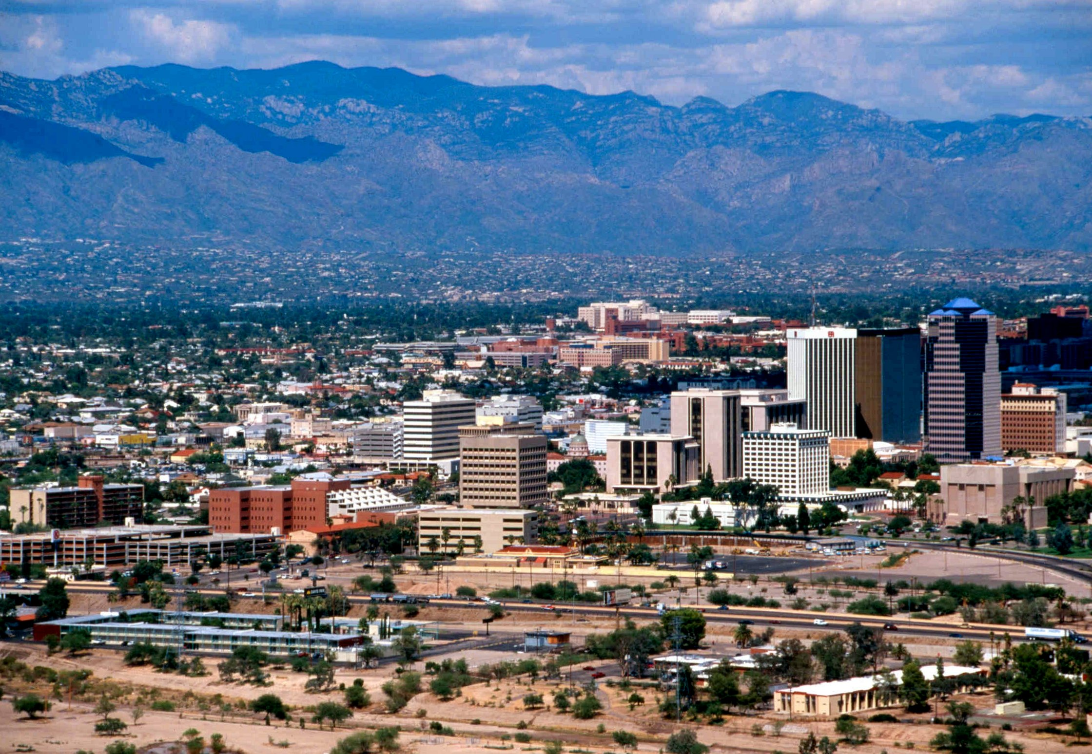 Tucson Or Phoenix Hotel With Fireplace Spa Room Service